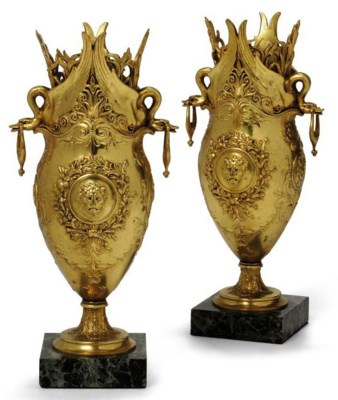 A PAIR OF FRENCH GILT-BRONZE V
