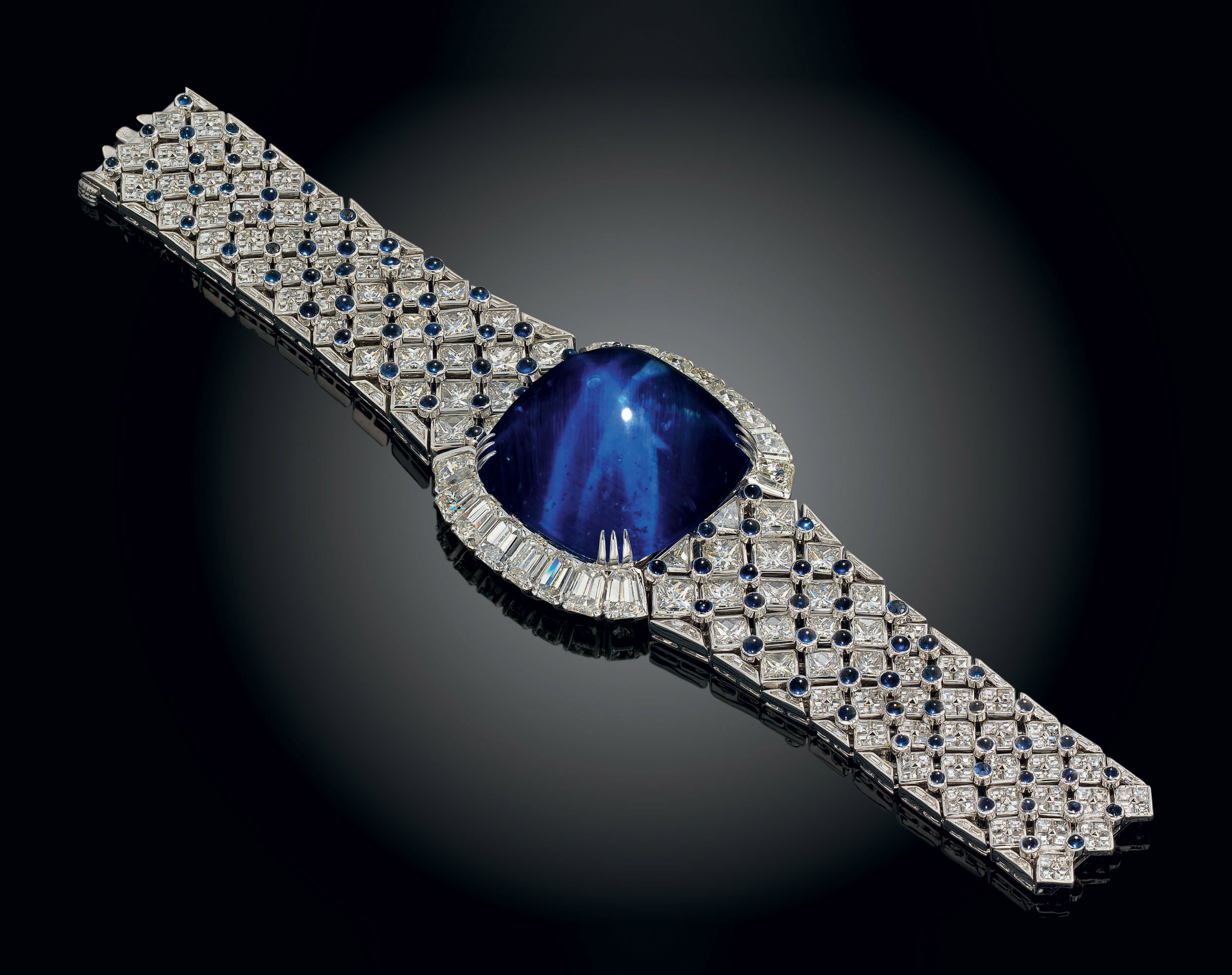 AN IMPORTANT SAPPHIRE AND DIAMOND BRACELET, BY MOUAWAD