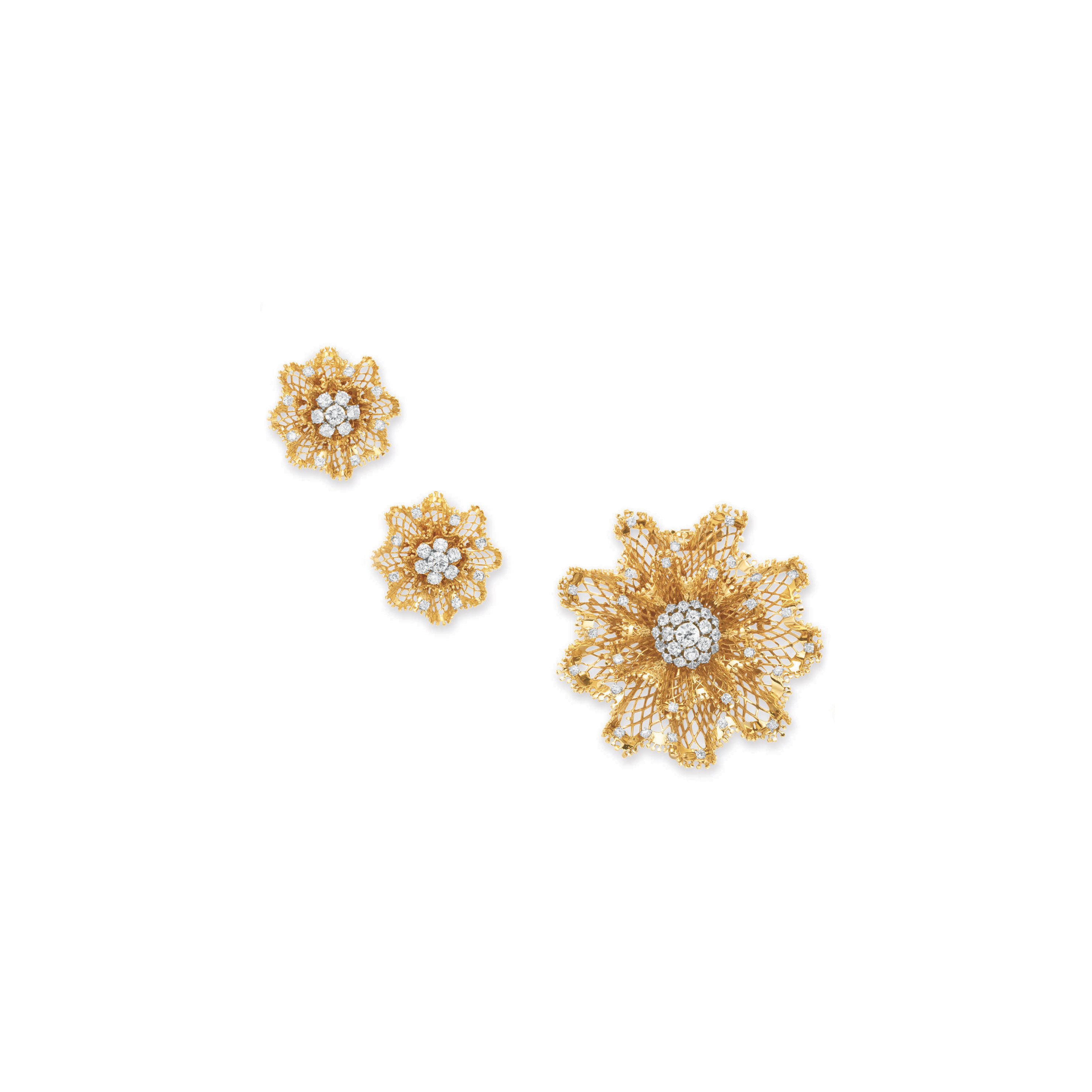"""A SET OF RETRO DIAMOND AND GOLD """"DENTELLE"""" JEWELRY, BY VAN CLEEF & ARPELS, RUSER"""