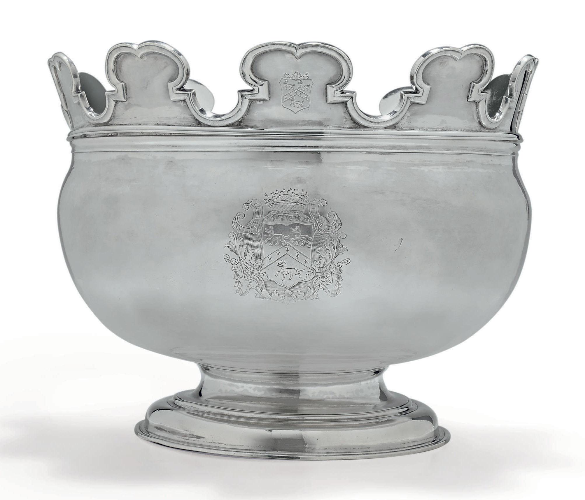 A FINE GEORGE II SILVER MONTEITH BOWL OF AMERICAN INTEREST