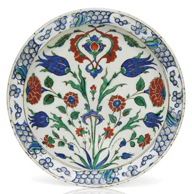 AN IMPRESSIVELY LARGE IZNIK PO