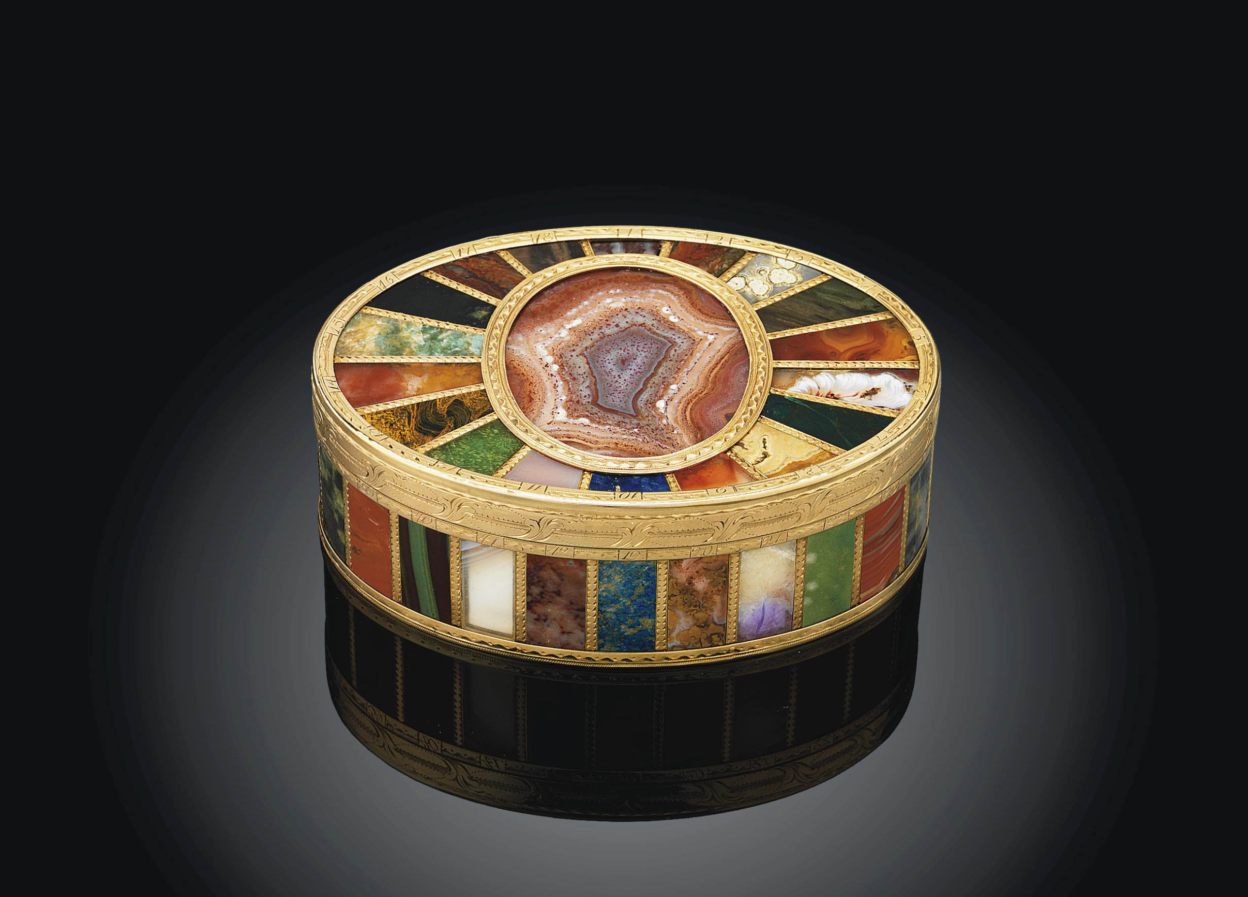 AN IMPORTANT SAXON GOLD-MOUNTED 'STEIN-CABINET' SNUFF-BOX