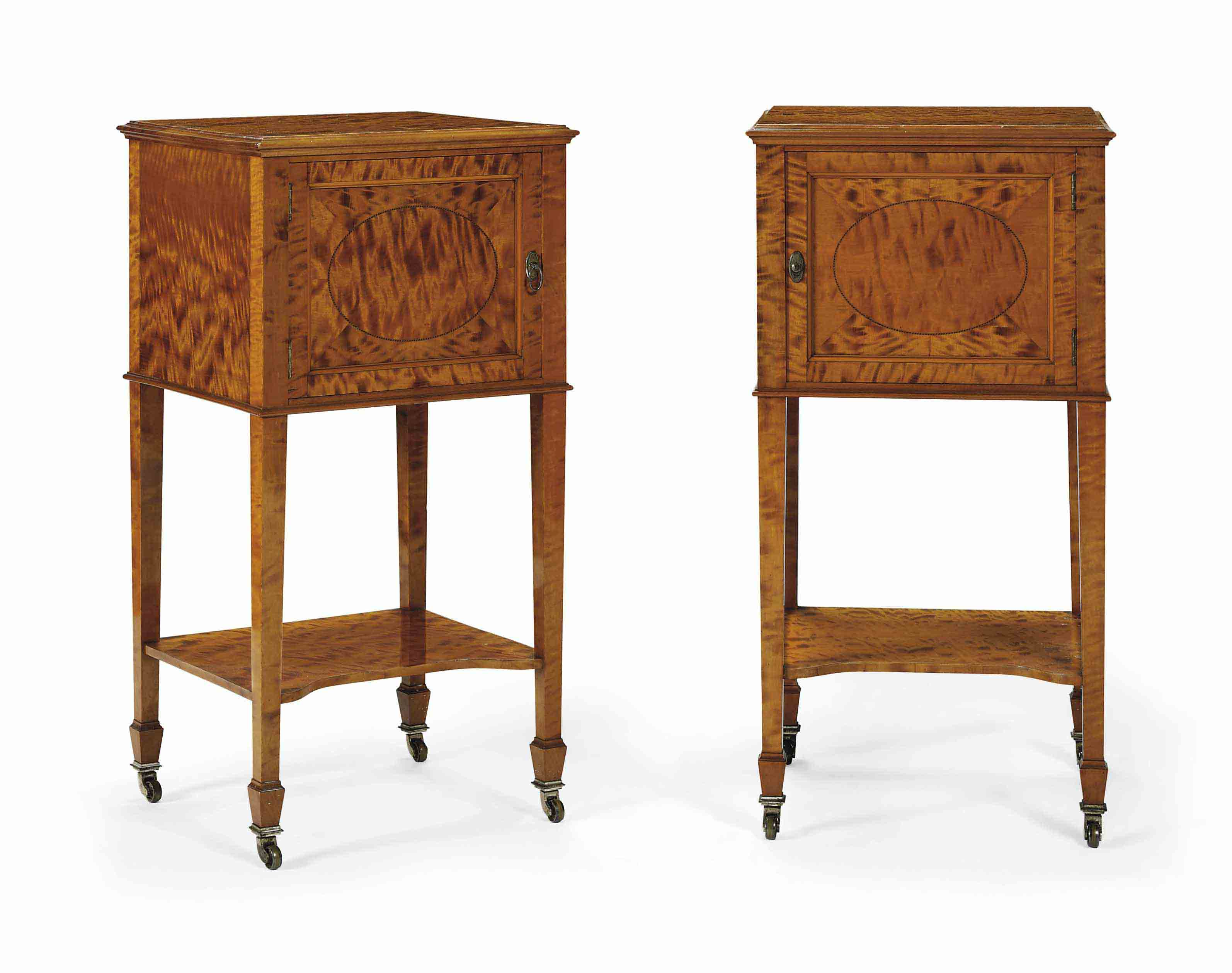 A PAIR OF EDWARDIAN SATINWOOD BEDSIDE CABINETS