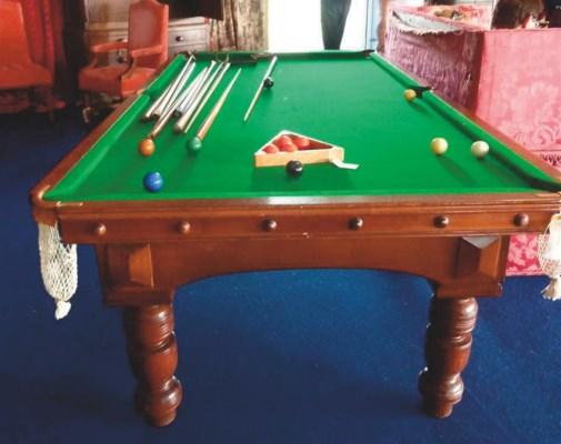 An english oak dining billiard table by r stevens for Oak beauty pool table