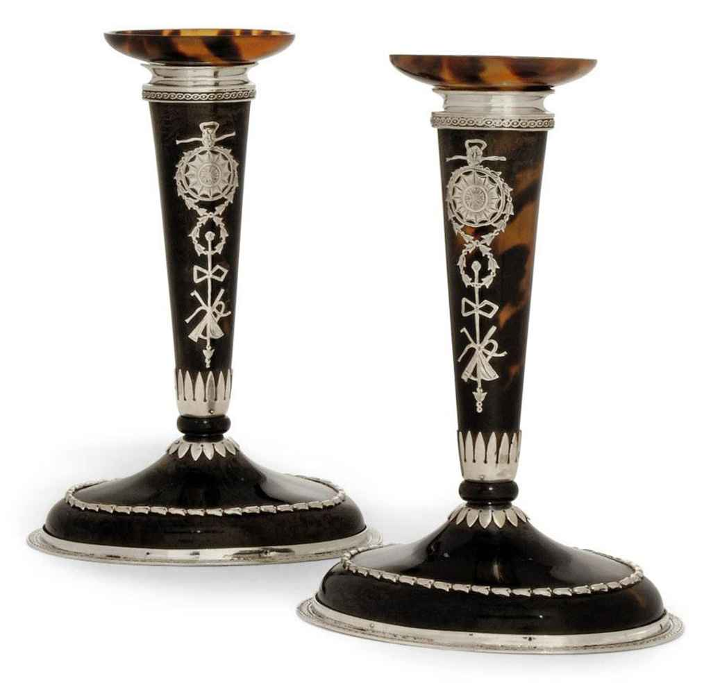 A PAIR OF EDWARDIAN SILVER-MOUNTED AND INLAID TORTOISESHELL DRESSING TABLE CANDLESTICKS