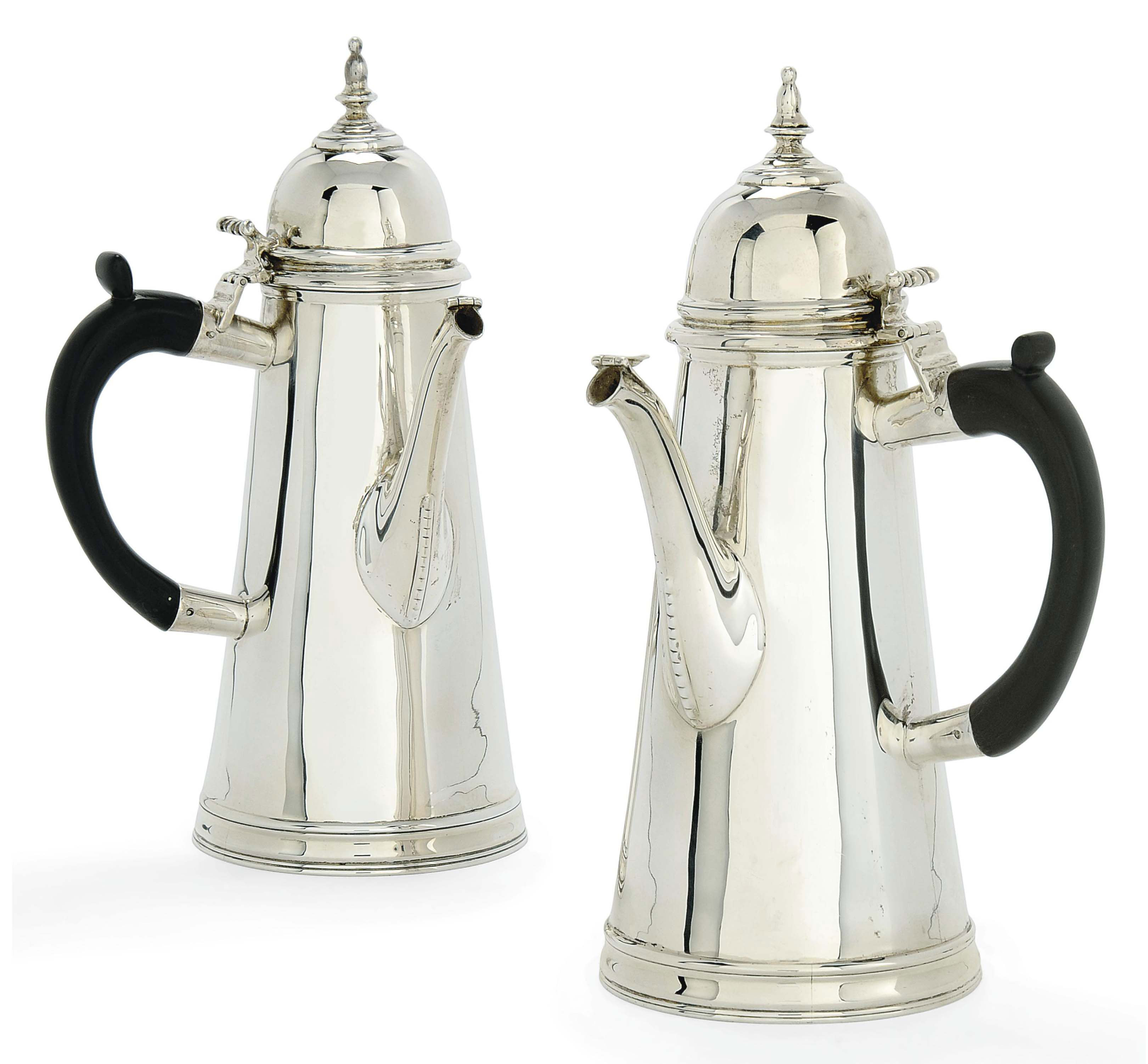 A PAIR OF IRISH SILVER CAFE-AU-LAIT POTS OF QUEEN ANNE STYLE