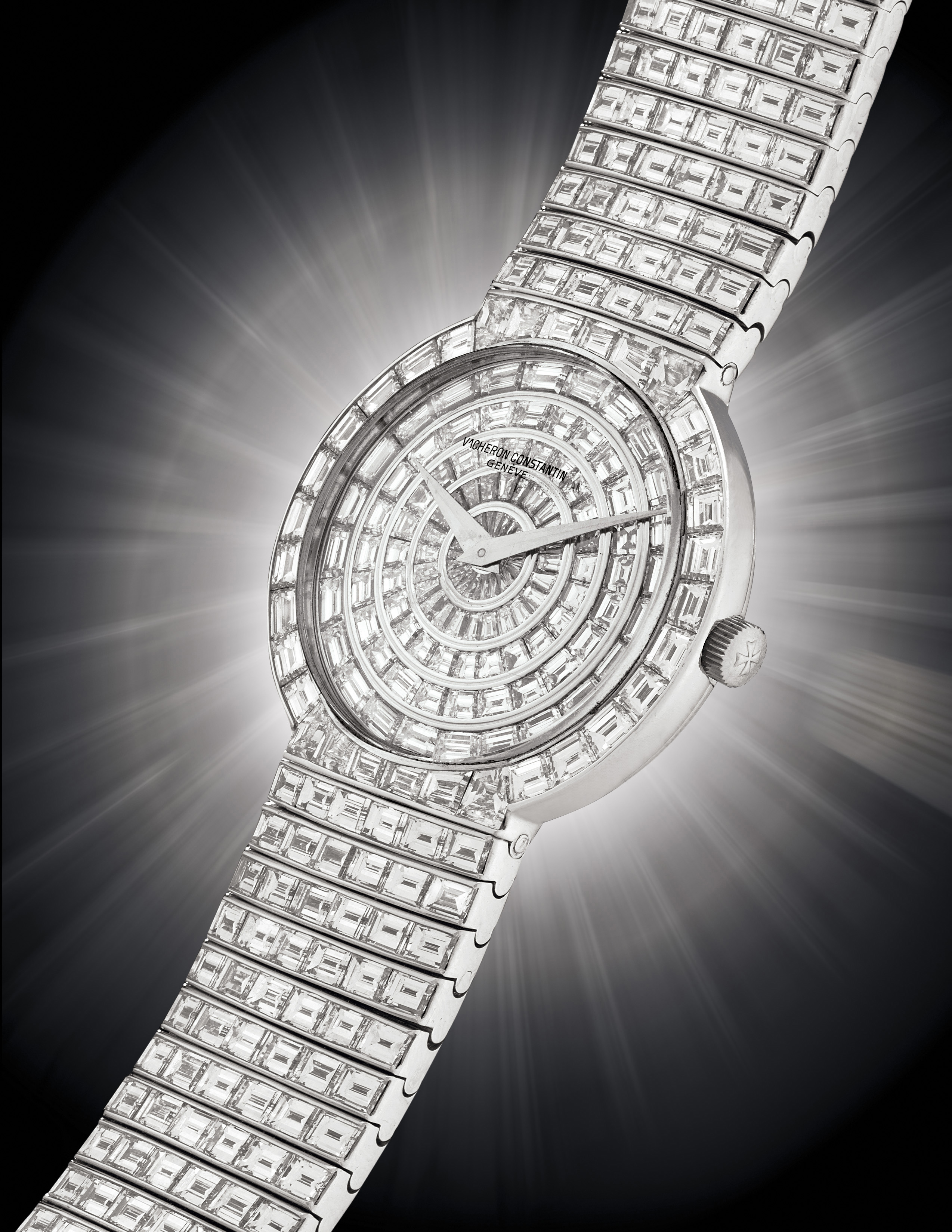 VACHERON CONSTANTIN. AN IMPRESSIVE 18K WHITE GOLD AND DIAMOND-SET WRISTWATCH WITH BRACELET