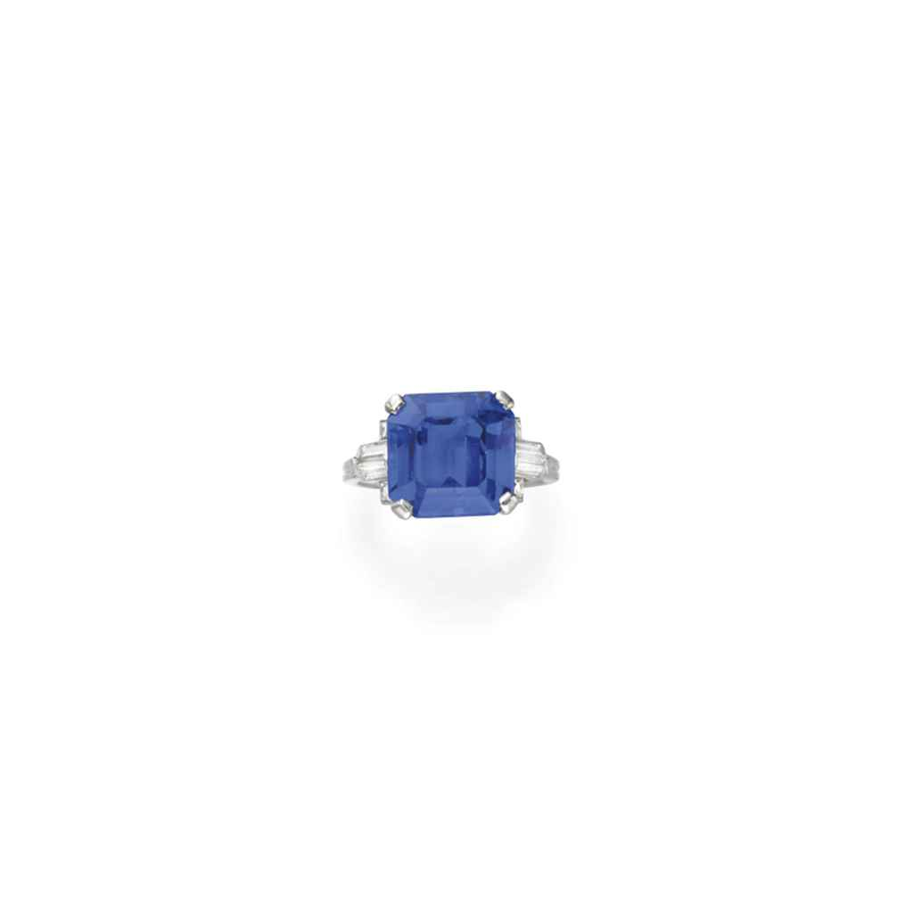 AN ART DECO SAPPHIRE AND DIAMOND RING, BY TIFFANY & CO.