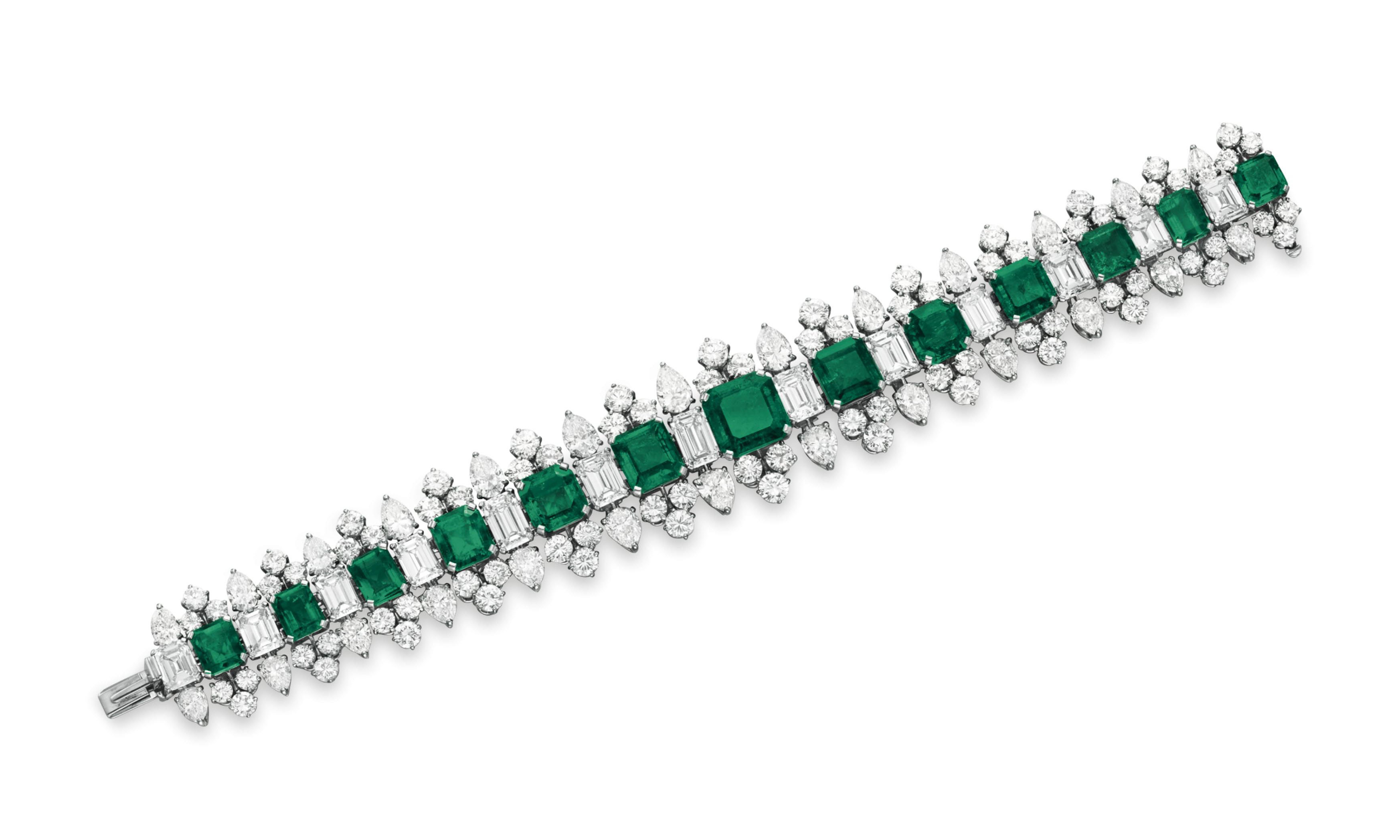 AN EMERALD AND DIAMOND BRACELET, BY BVLGARI