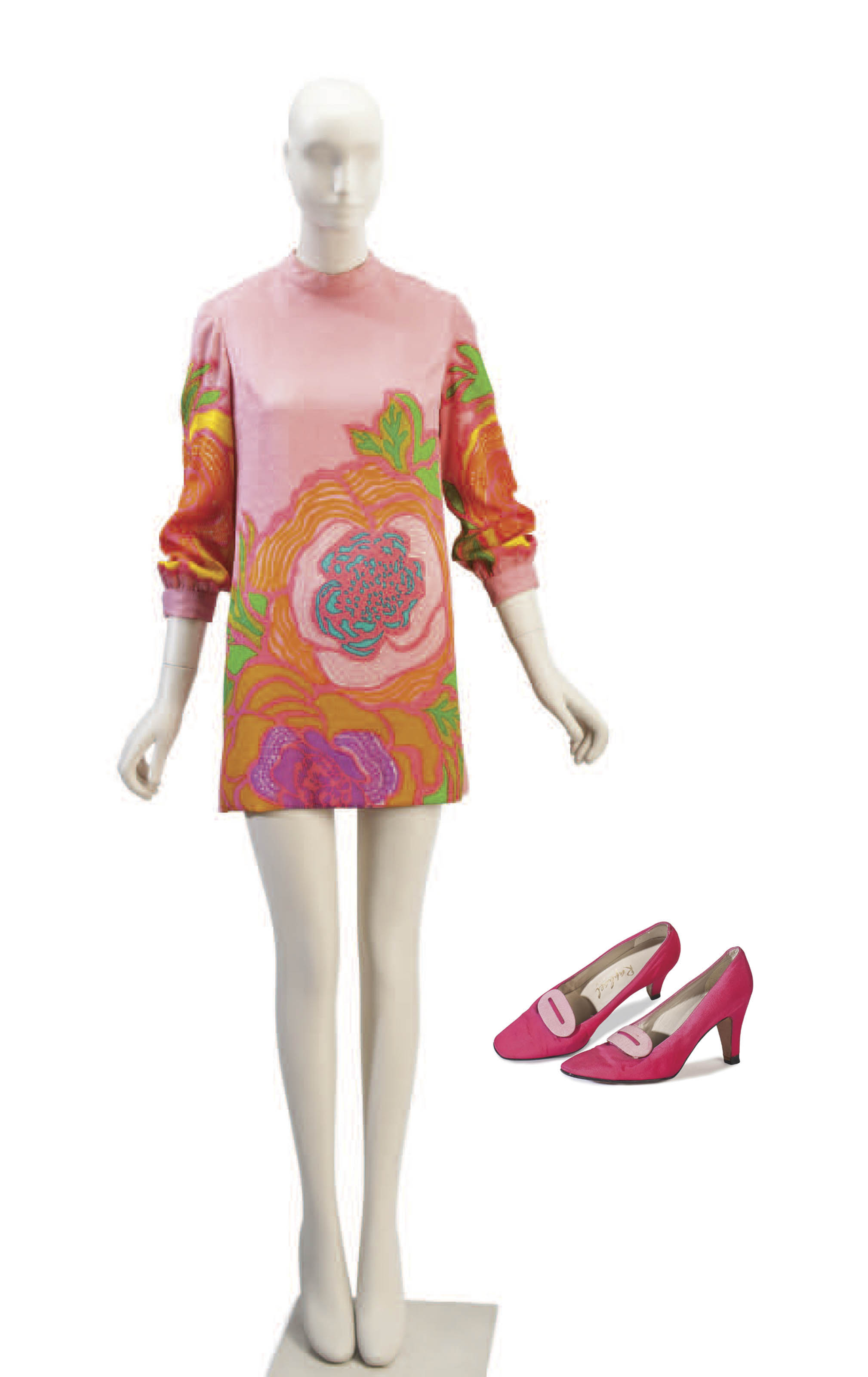 A BILL BLASS PINK TEXTURED SILK AND FLORAL PRINT DRESS WITH A PAIR OF DYED SILK HIGH-HEEL SHOES