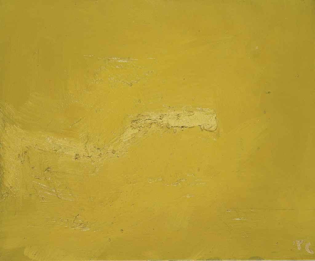 Dans le jaune enfoncé
