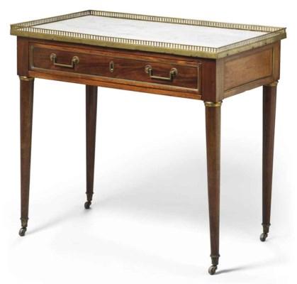 TABLE D'EPOQUE DIRECTOIRE