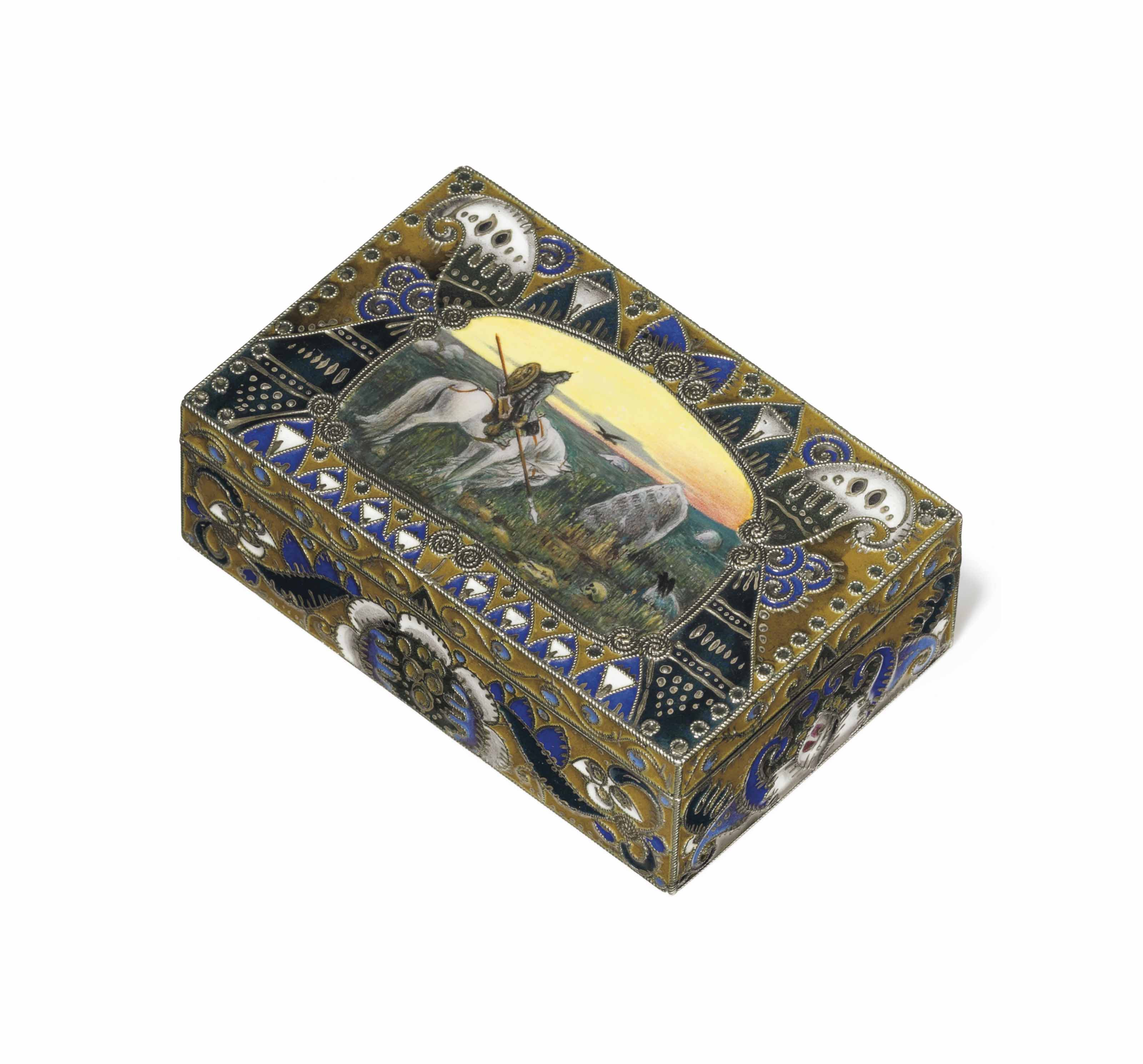 A SILVER-GILT CLOISONNÉ AND EN PLEIN ENAMEL BOX