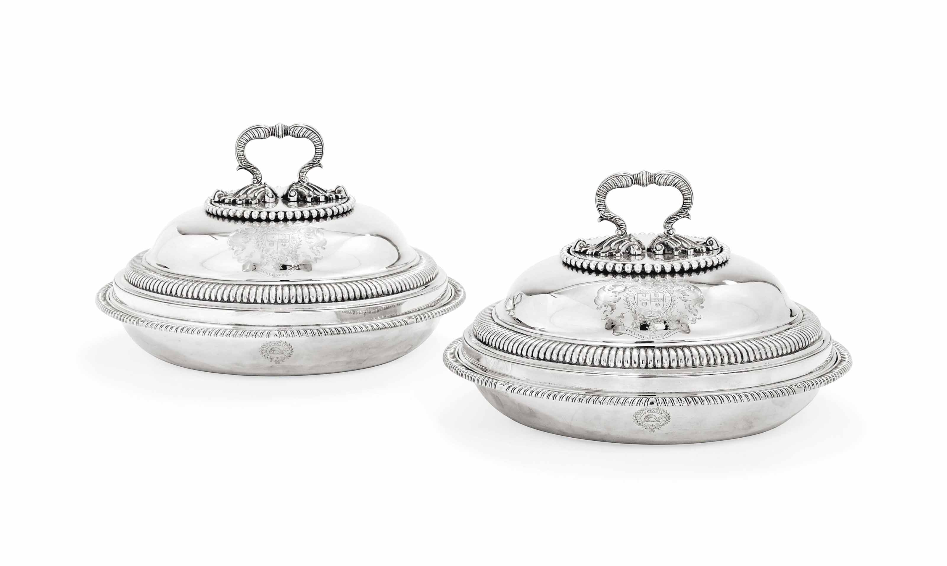 A PAIR OF GEORGE III SILVER ENTREE DISHES, COVERS AND HANDLES