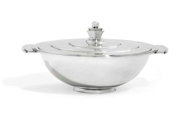 A DANISH TUREEN AND COVER