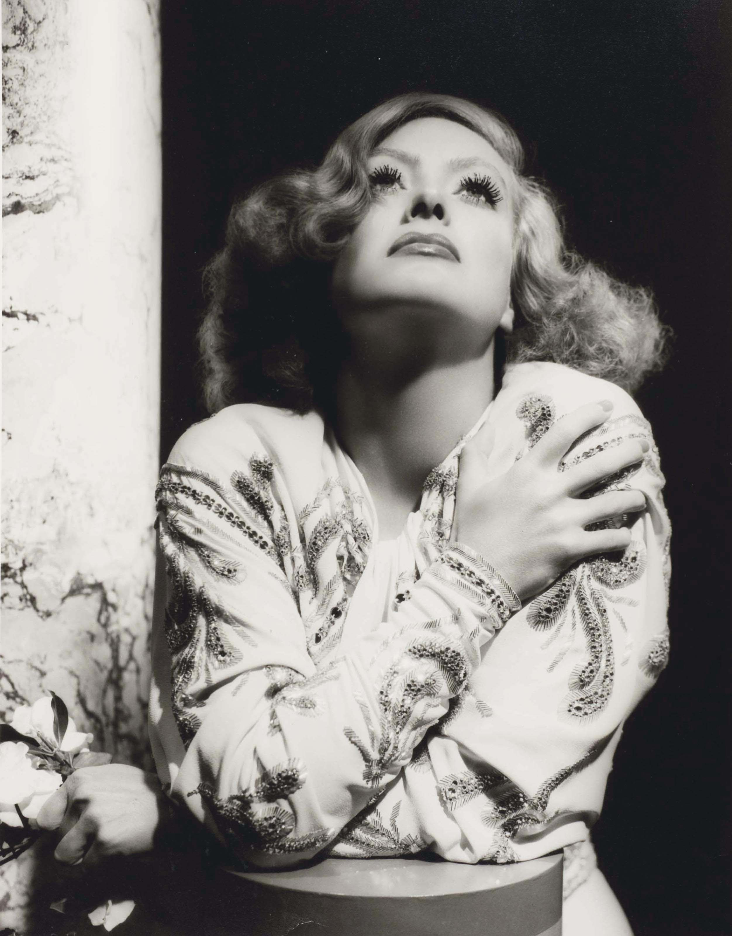 Joan Crawford, costume by Adrian, MGM Studios, Los Angels, 1933