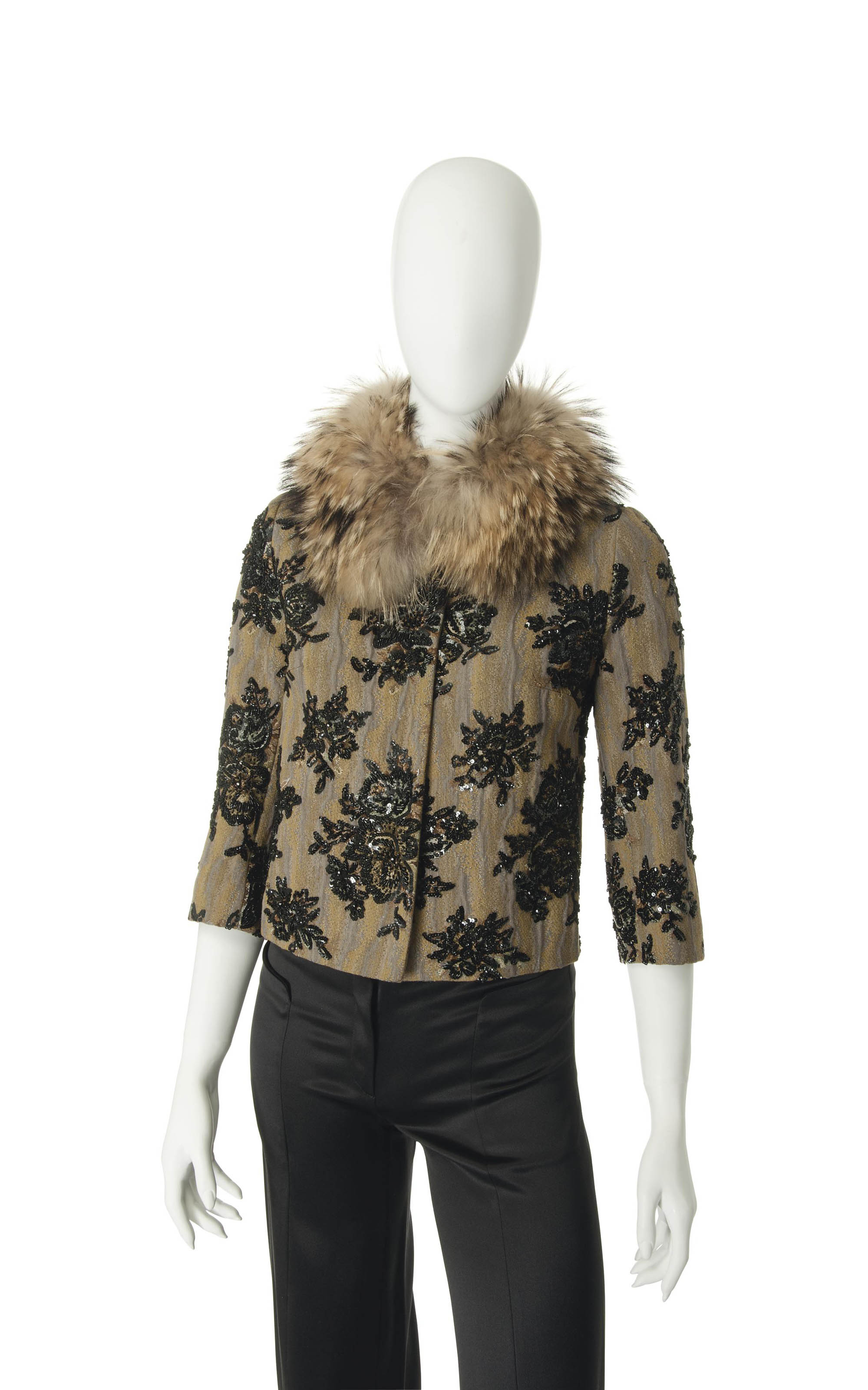A CROPPED JACKET WITH FUR COLLAR