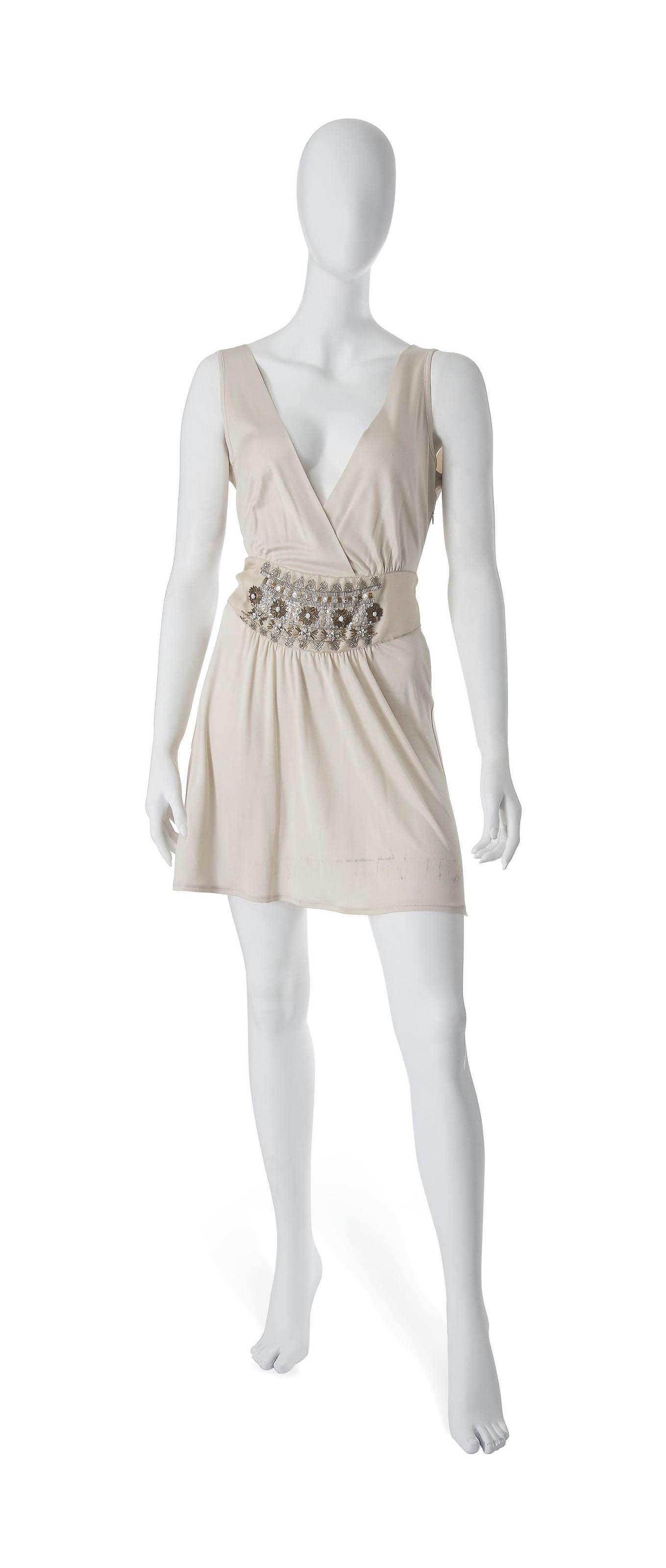 AN IVORY SILK JERSEY COCKTAIL DRESS