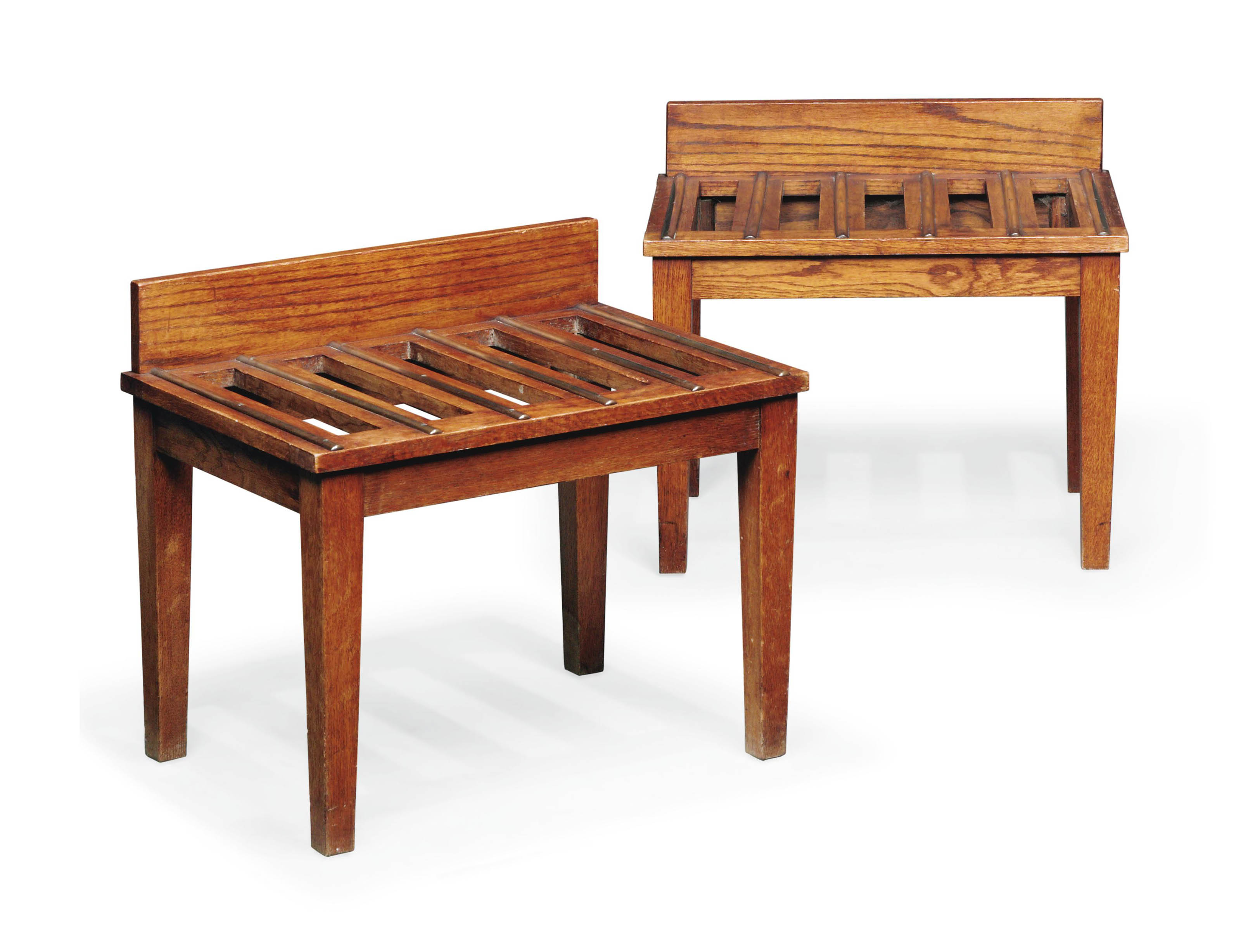 A PAIR OF ENGLISH BRASS-MOUNTED OAK LUGGAGE STANDS