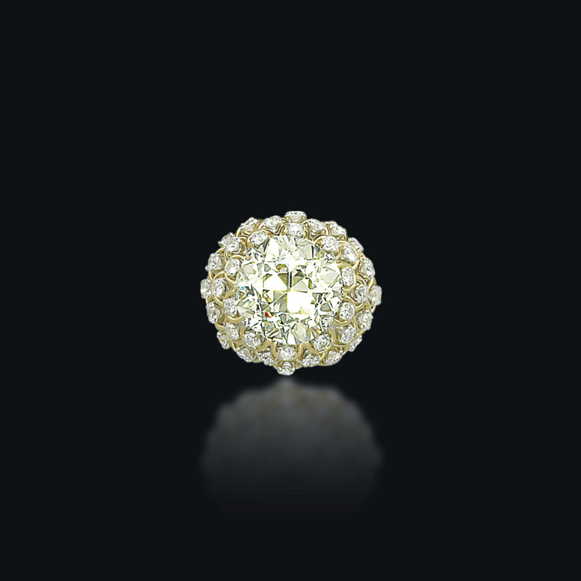 A COLOURED DIAMOND RING, BY DAVID WEBB