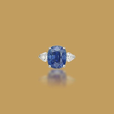 A SAPPHIRE AND DIAMOND RING, BY GRAFF