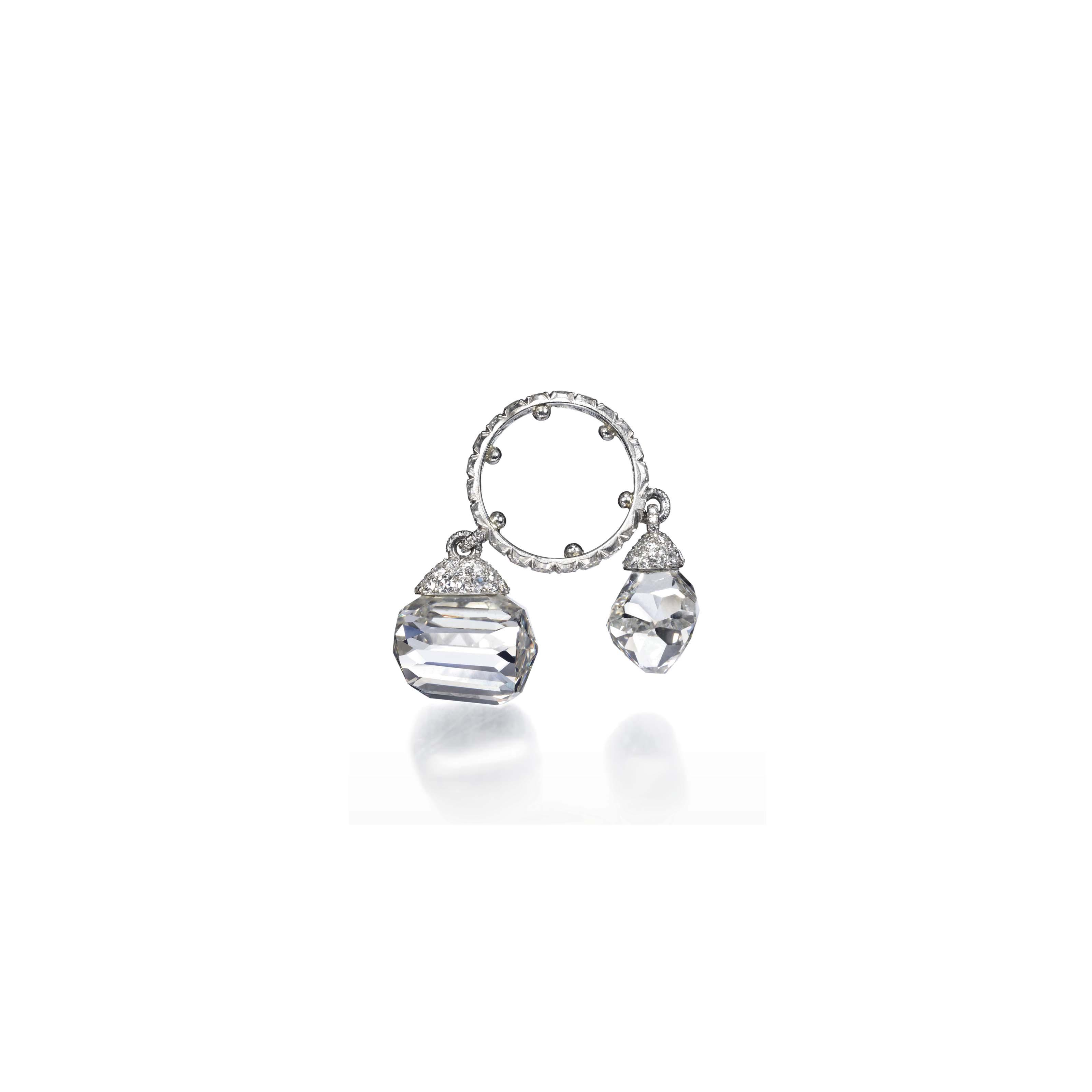 A DIAMOND CHARM RING, BY JAR
