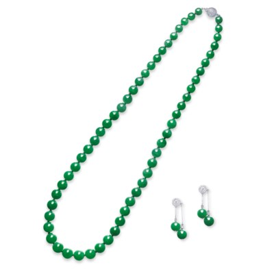 A SUITE OF JADEITE BEAD AND DI