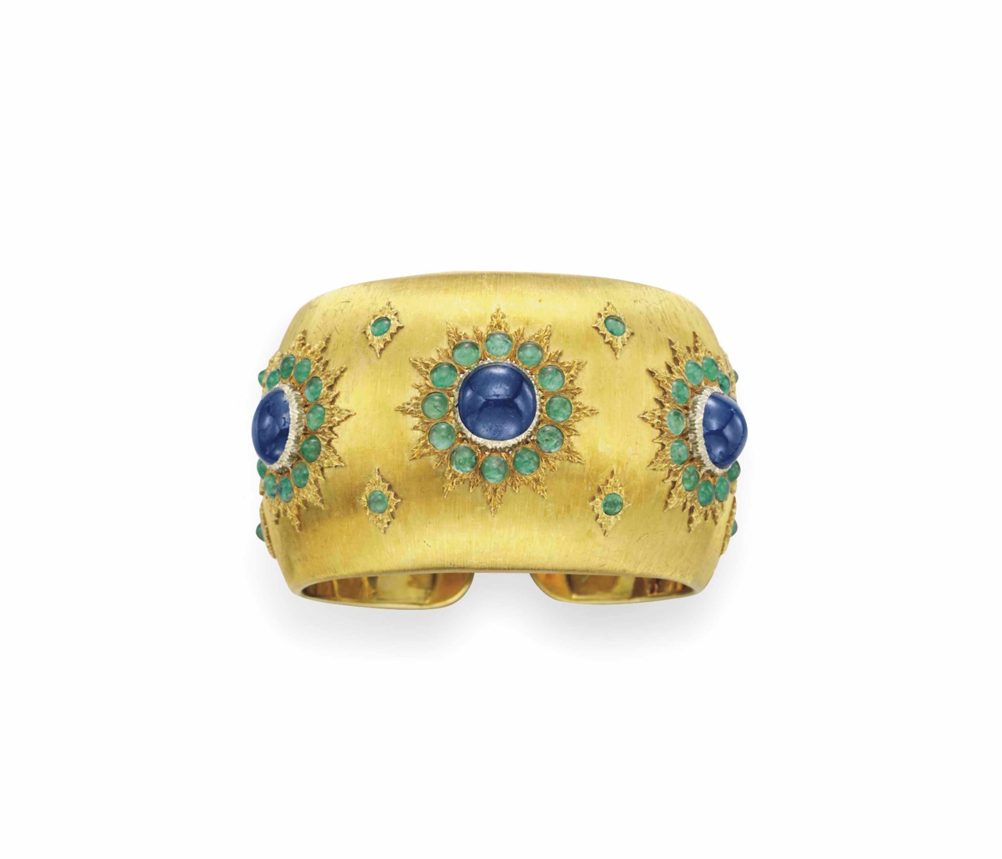 A SAPPHIRE, EMERALD AND GOLD CUFF BRACELET, BY BUCCELLATI
