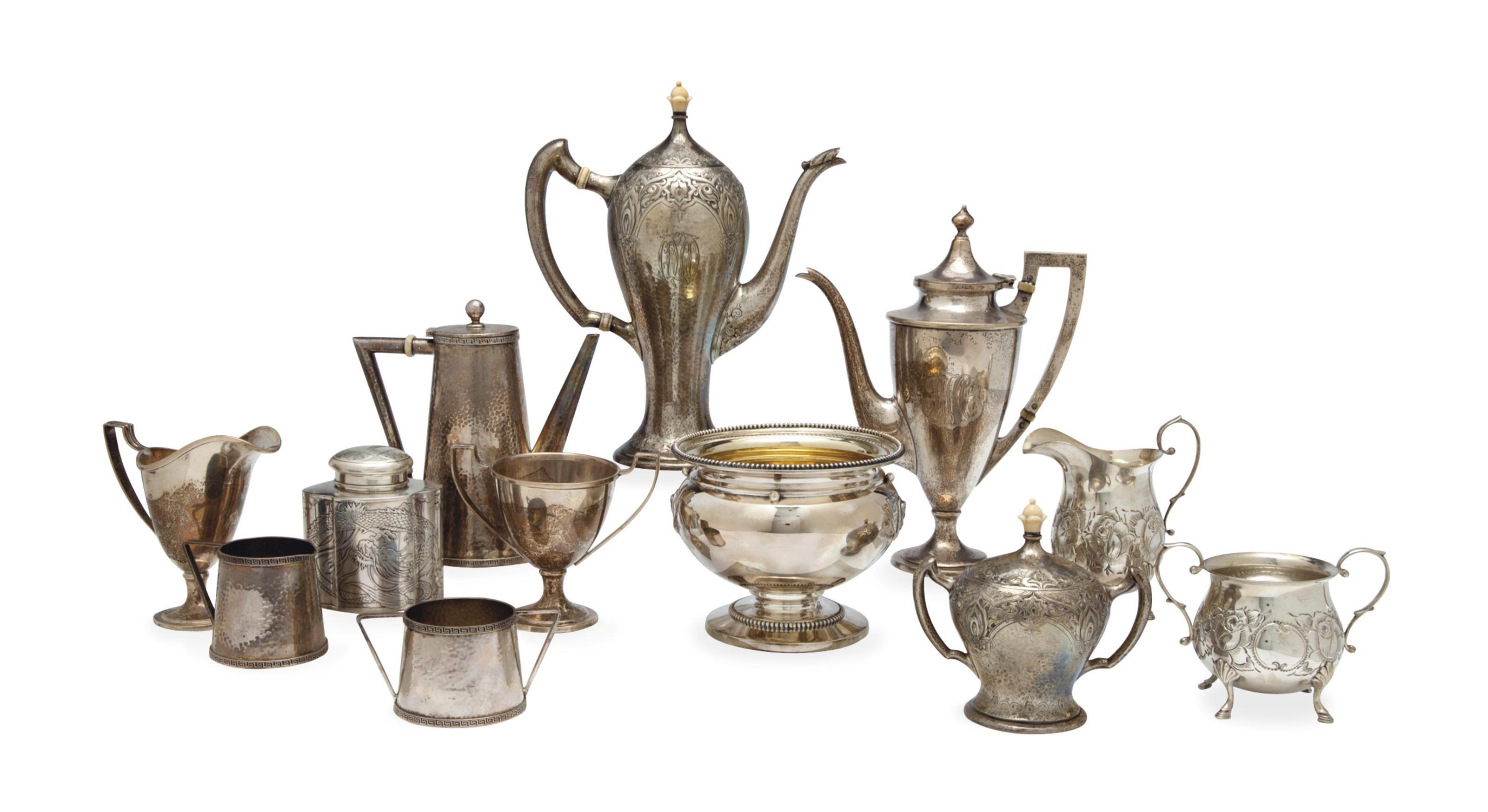 A GROUP OF AMERICAN SILVER COFFEE AND TEA WARES,
