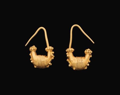 A PAIR OF GREEK GOLD EARRINGS