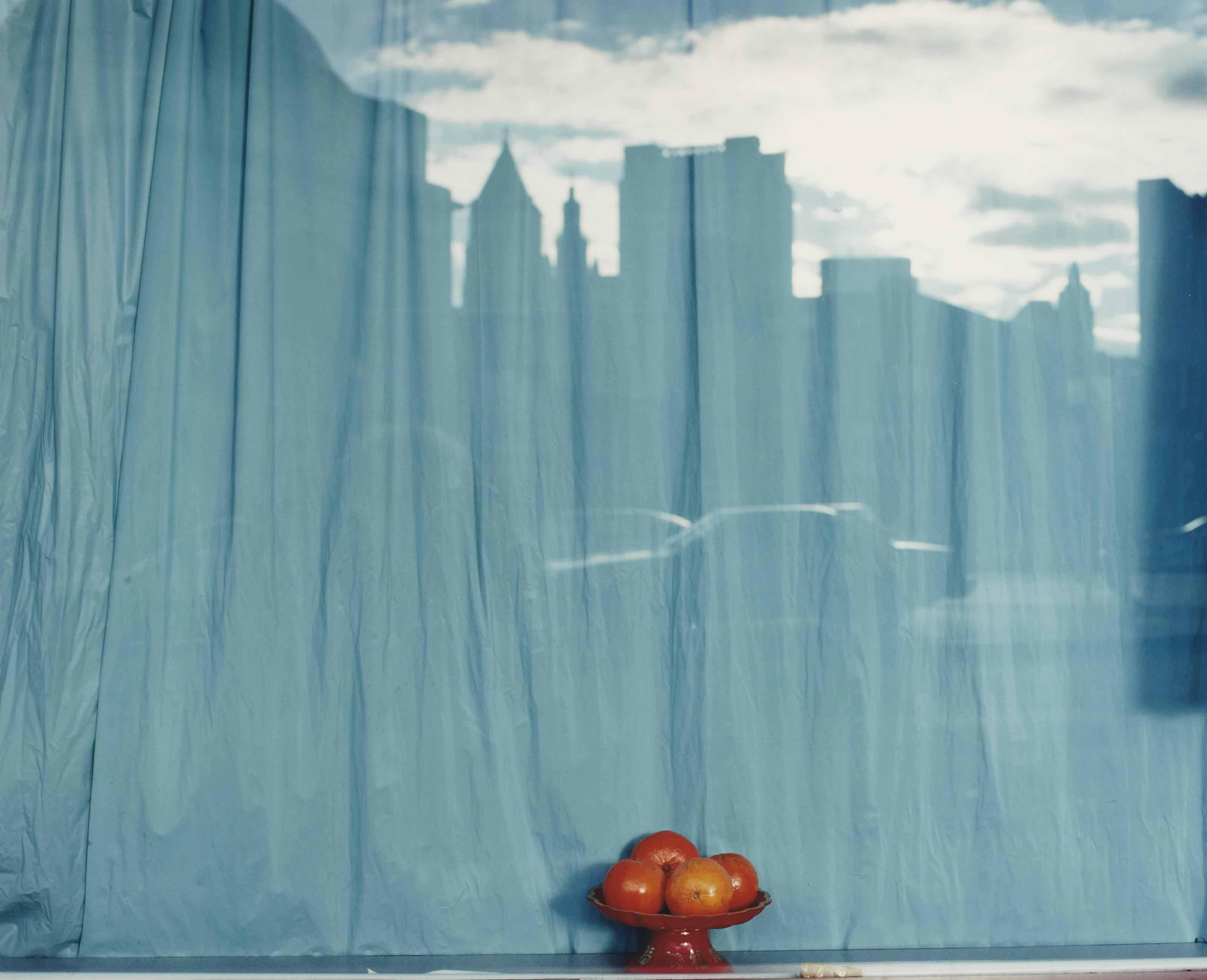 Sans titre (Blue curtain and orange), New York City, NY, 2001