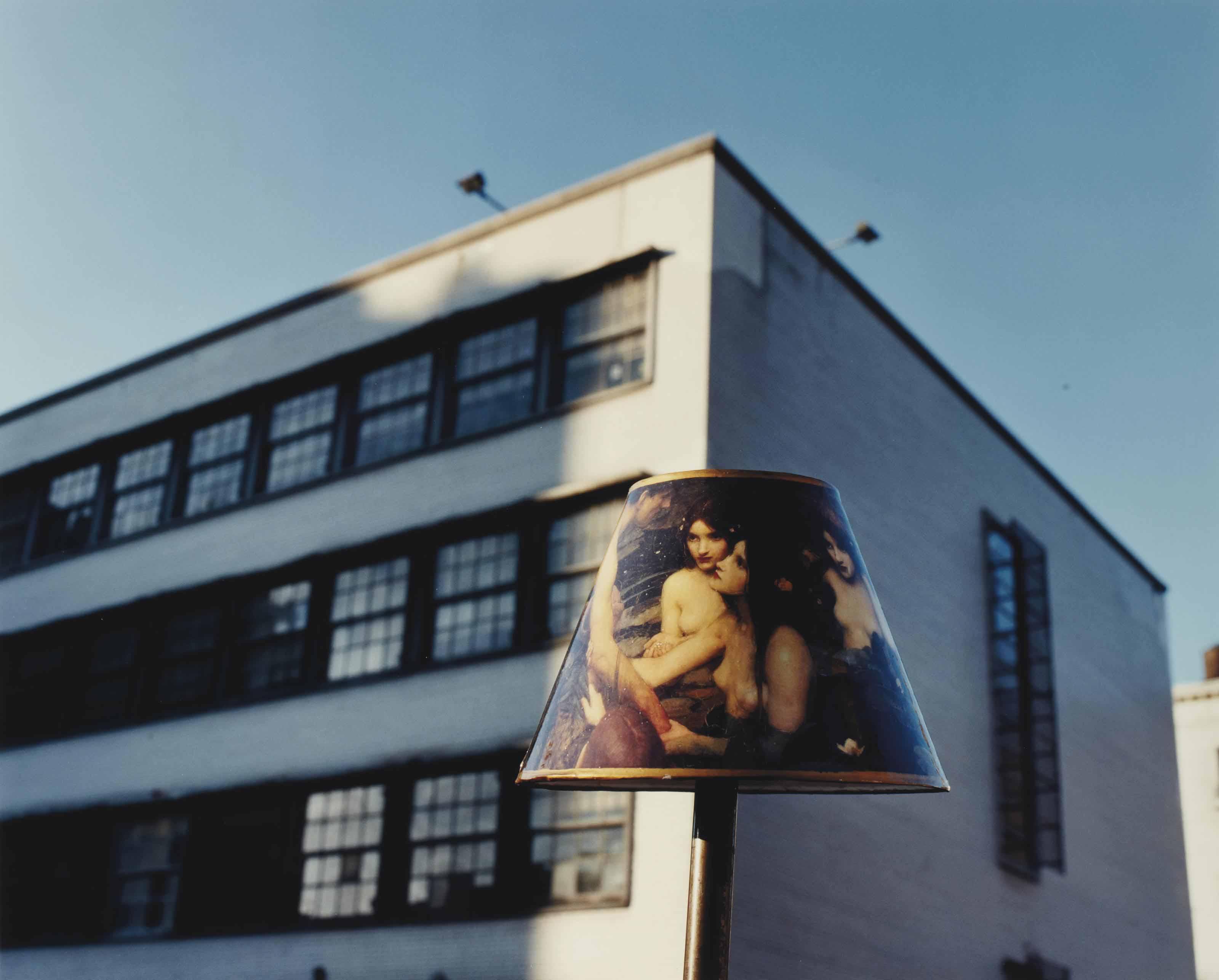 Sans titre (Lampshade of nymphus & blue sky), New York City, 1996