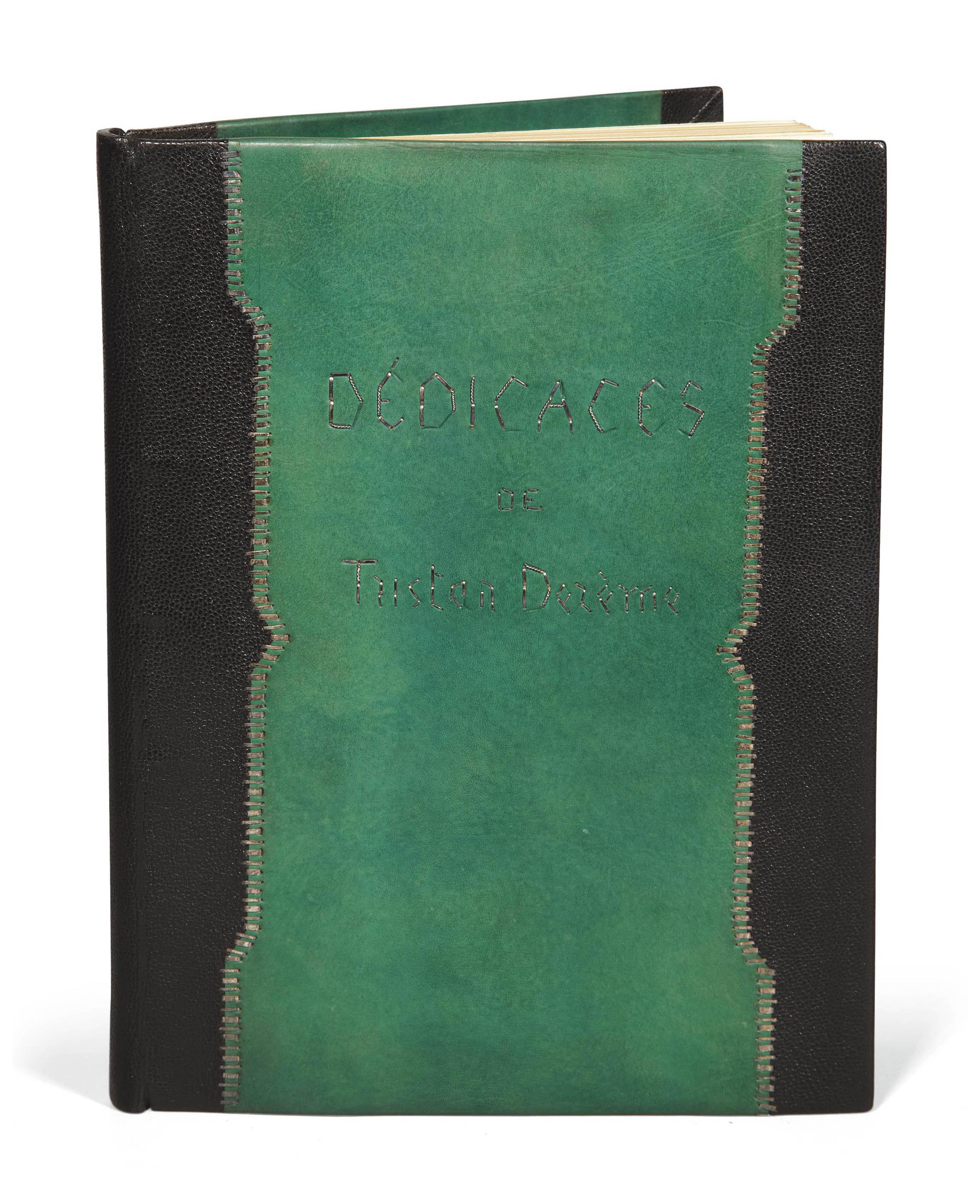 [LABOUREUR] -- DERÈME, Tristan (1889-1941). Dédicaces. Petit volume publié à l'occasion de la vente d'un amateur du village de Passy. Paris: Frazier-Soye pour Georges Andrieux, 1928.