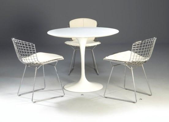 Eero saarinen 1910 1961 pour knoll table de salle for Table de salle a manger new york