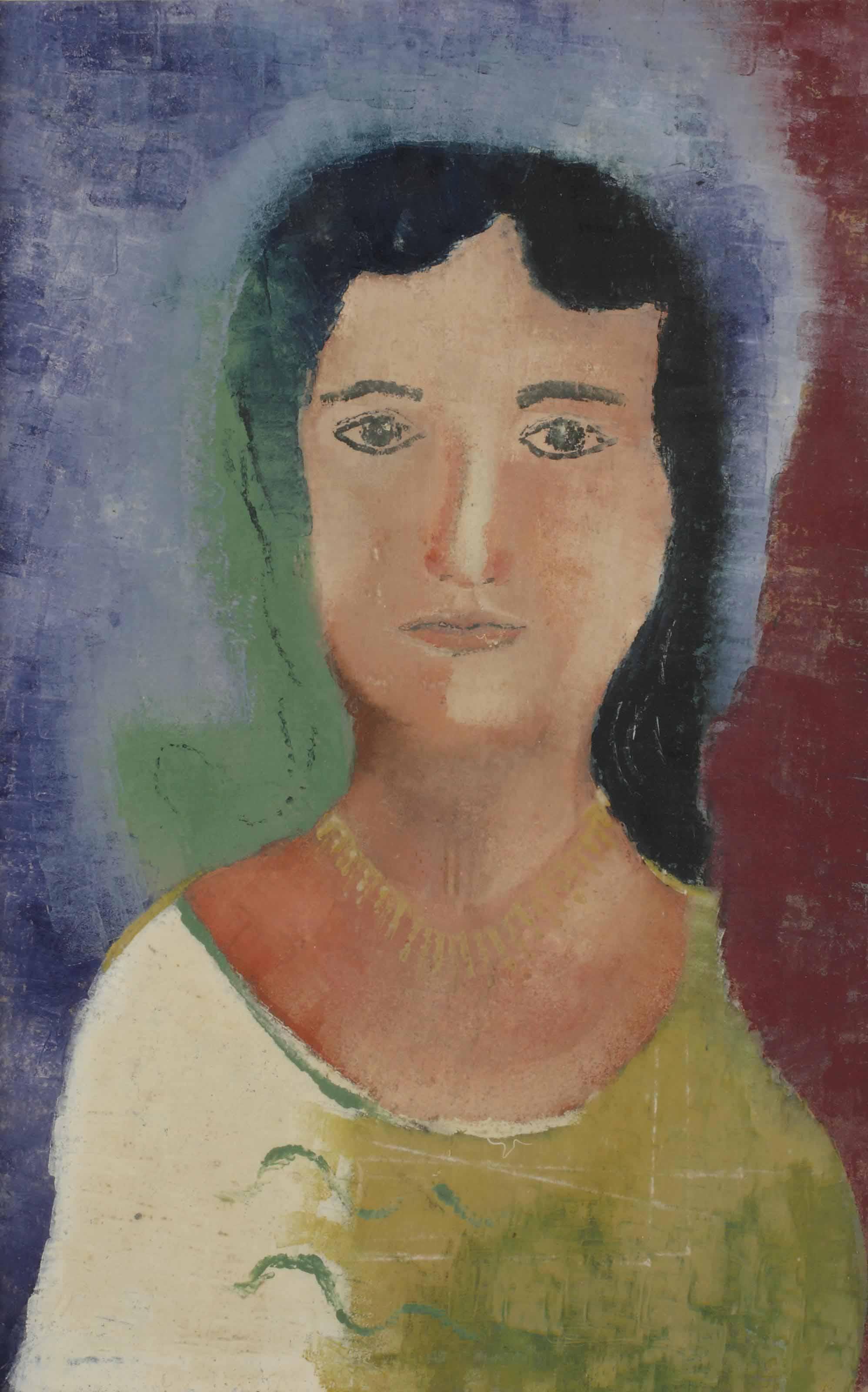 Vrouwenkop met gele halsketting