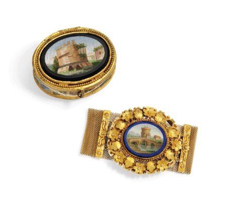 AN ITALIAN GOLD BRACELET SET W