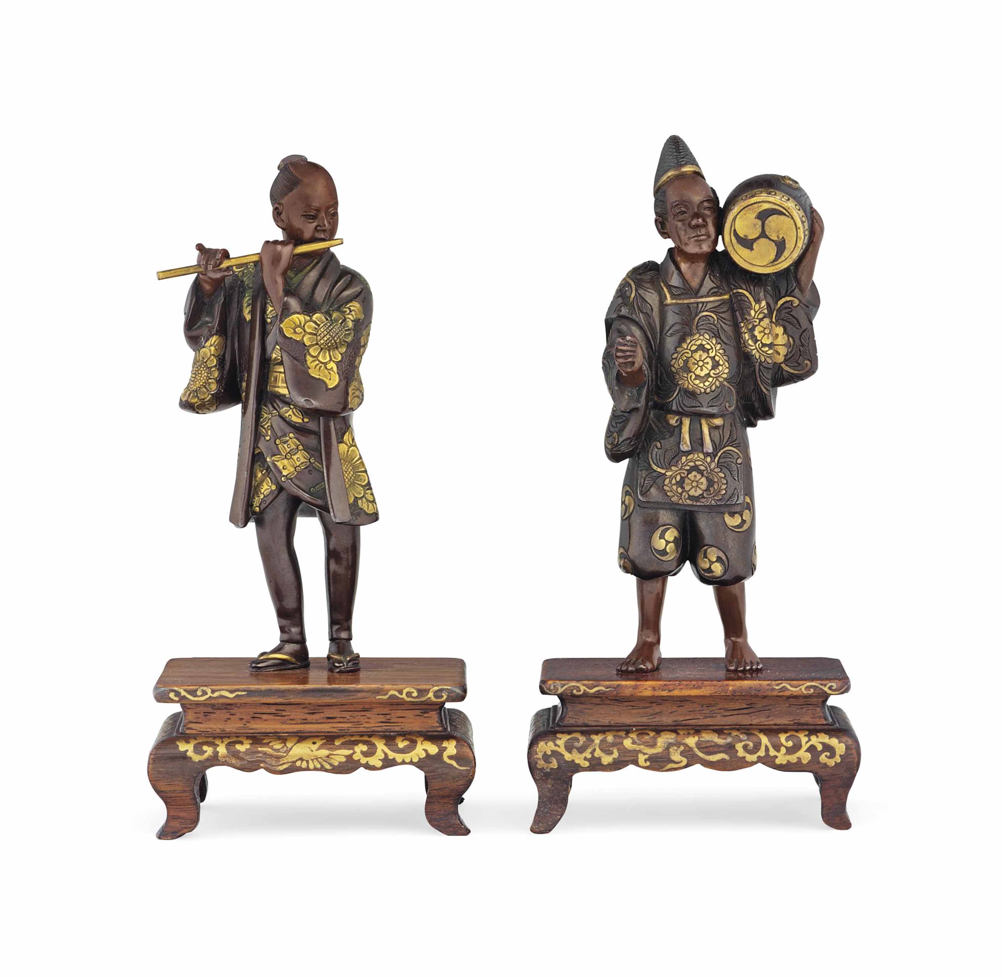 A Pair of Bronze Okimono [Sculptural Ornament]