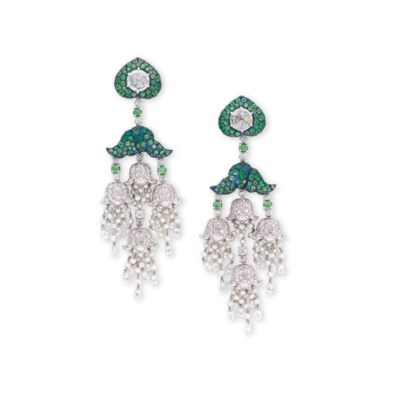 A PAIR OF DIAMOND, TSAVORITE G
