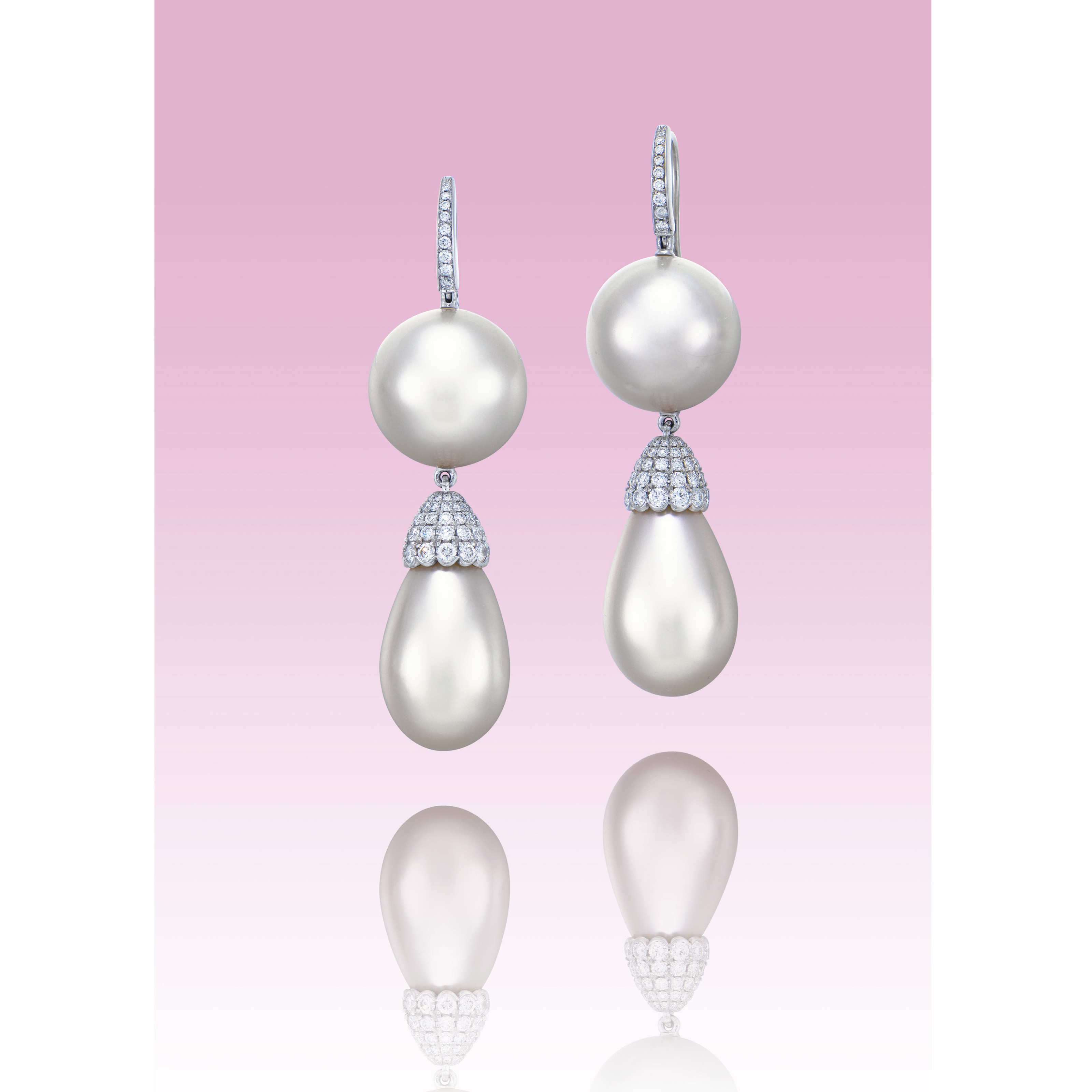 A UNIQUE PAIR OF NATURAL PEARL