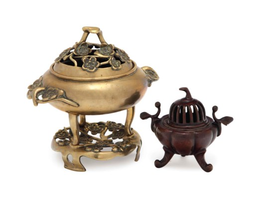 TWO CHINESE CENSERS AND COVERS