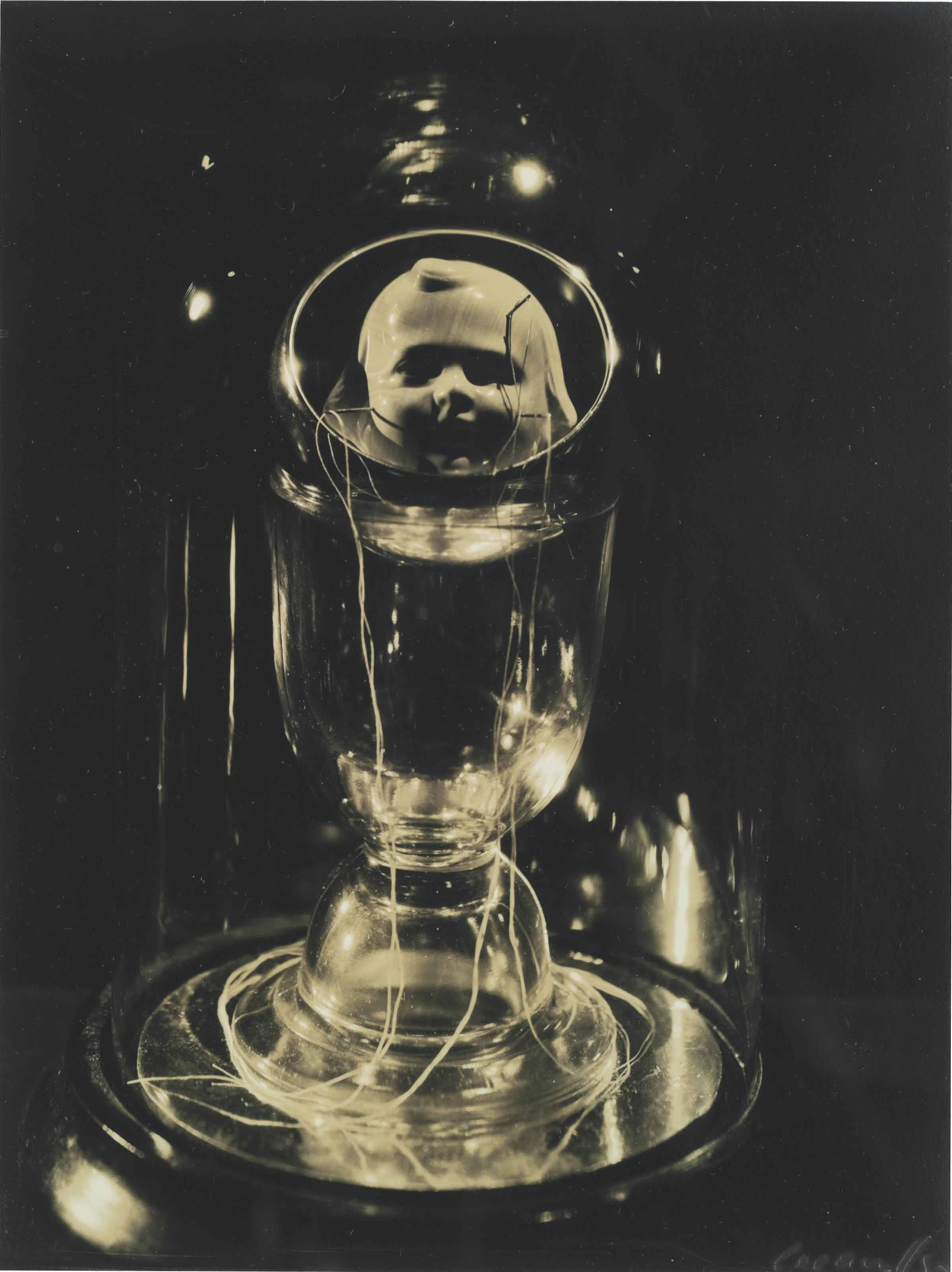 Object by Joseph Cornell, New York, 1933