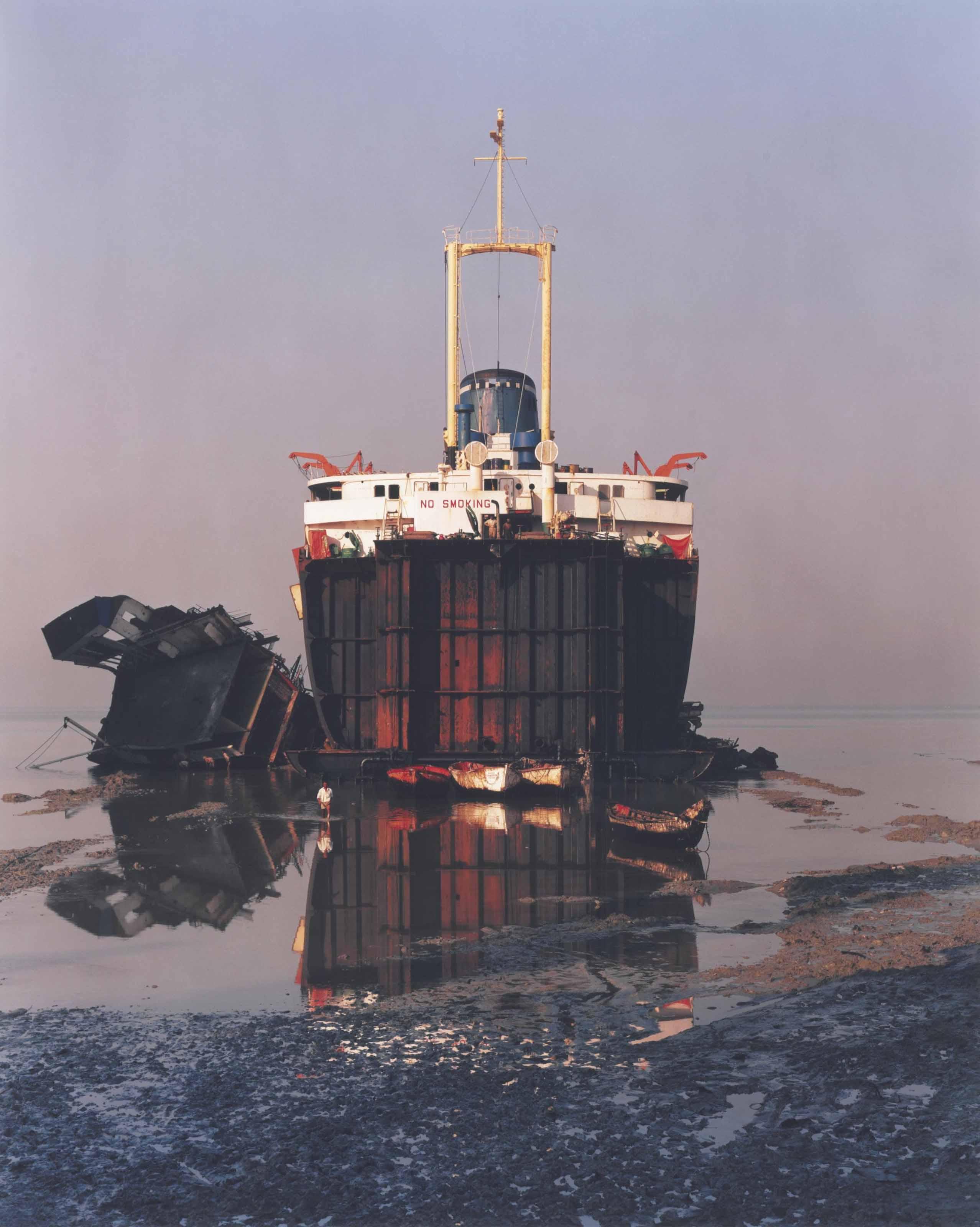 Shipbreaking #31, Chittagong, Bangladesh, 2001