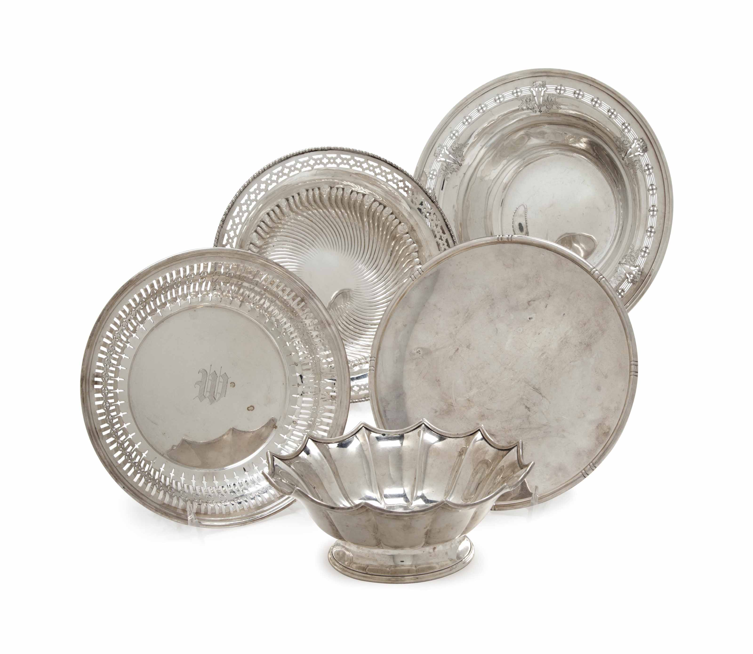 FIVE AMERICAN SILVER DISHES,