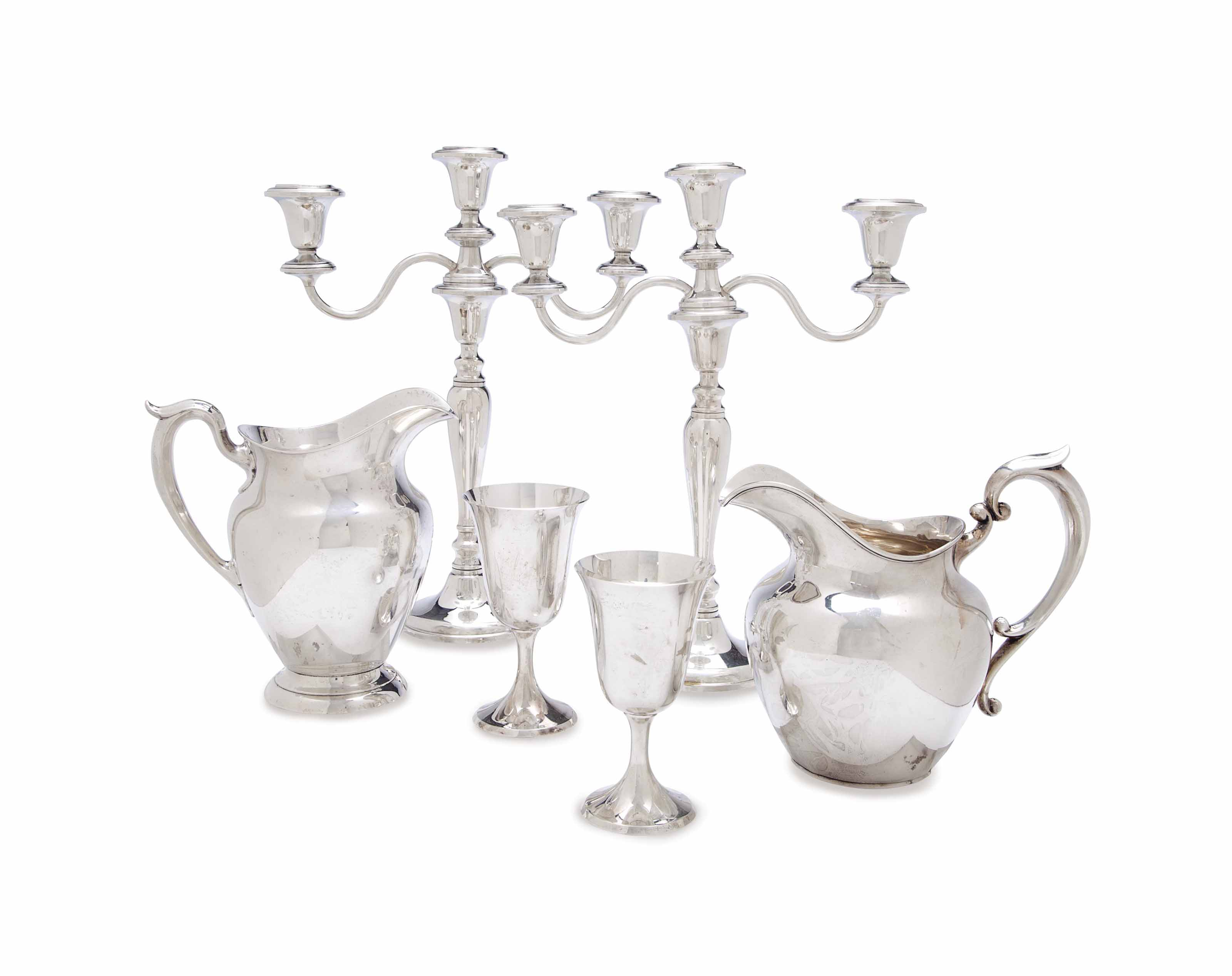A GROUP OF AMERICAN SILVER TABLE WARES,