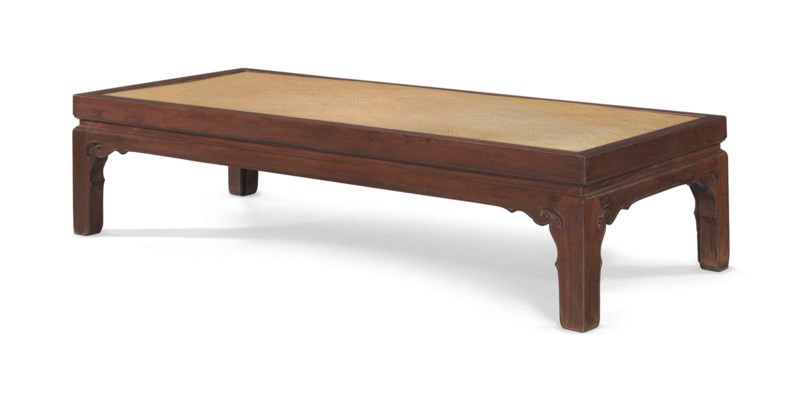 A HUANGHUALI WAISTED DAYBED, T