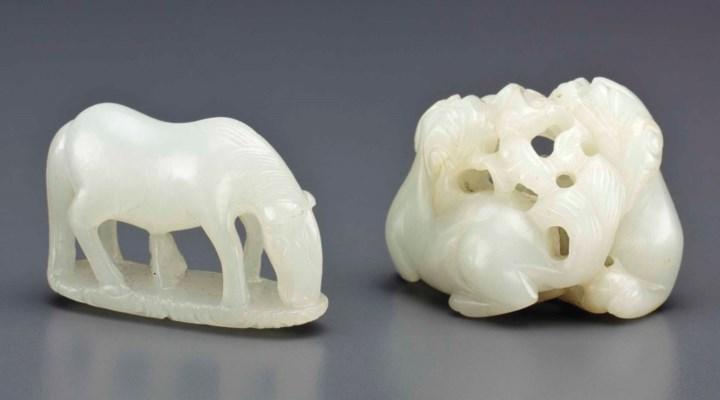 TWO SMALL WHITE JADE ANIMAL CA