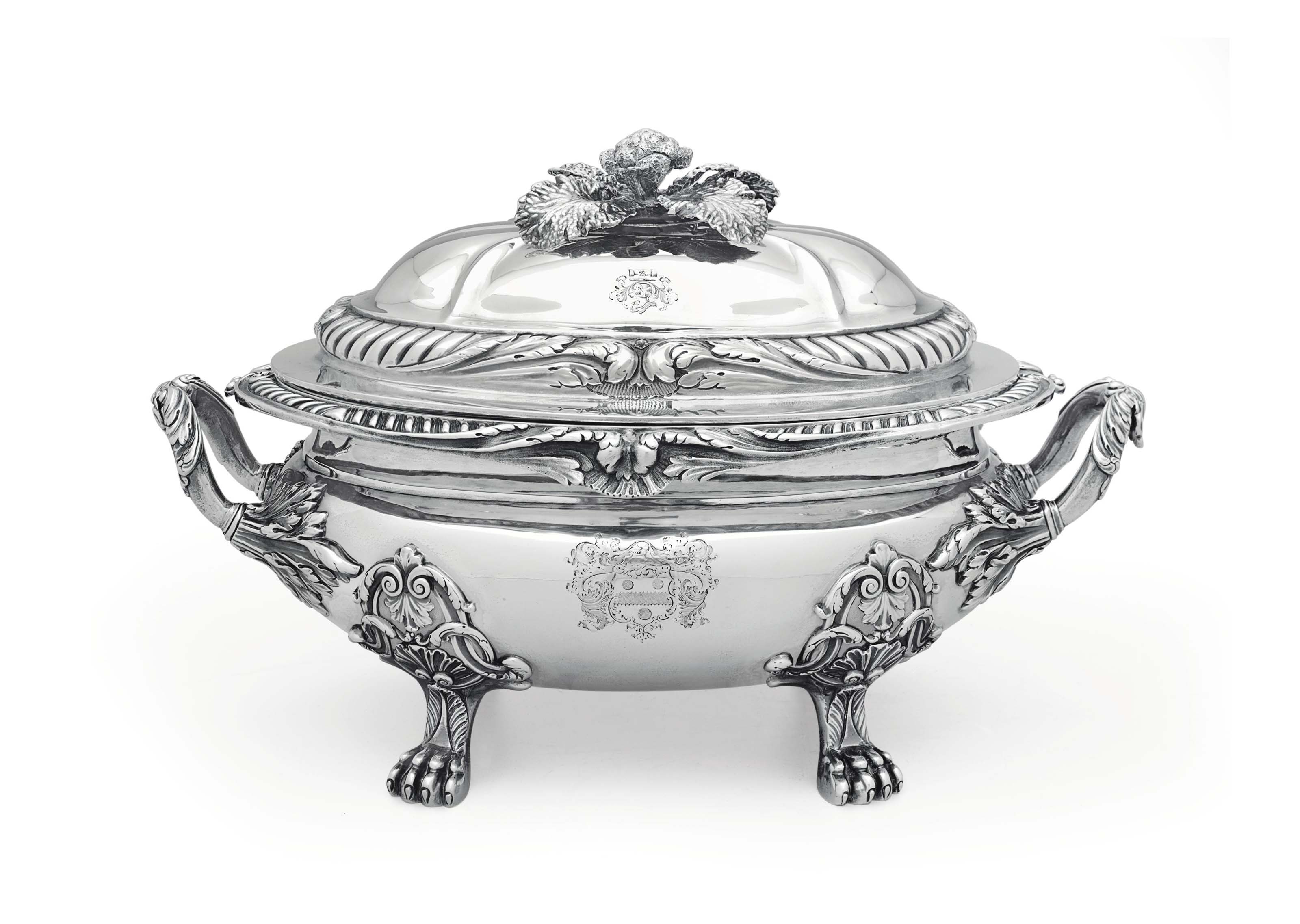 A GEORGE IV SILVER SOUP TUREEN AND COVER