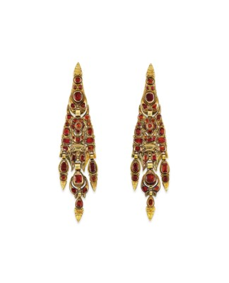 A PAIR OF LATE 18TH CENTURY CA