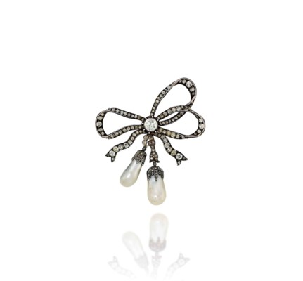 A 19TH CENTURY NATURAL PEARL A