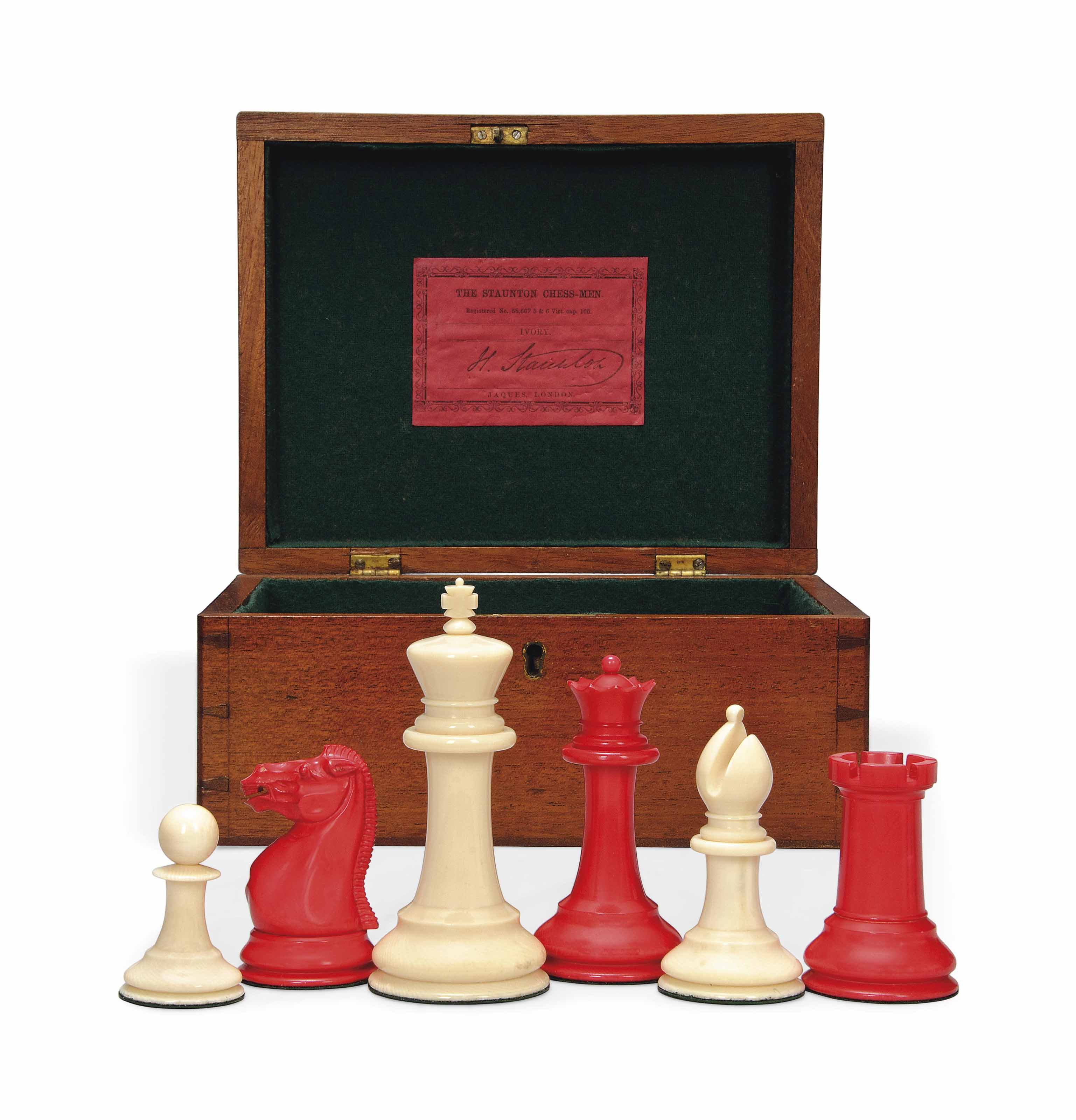 A VICTORIAN JAQUES STAUNTON CLUB SIZE IVORY CHESS SET